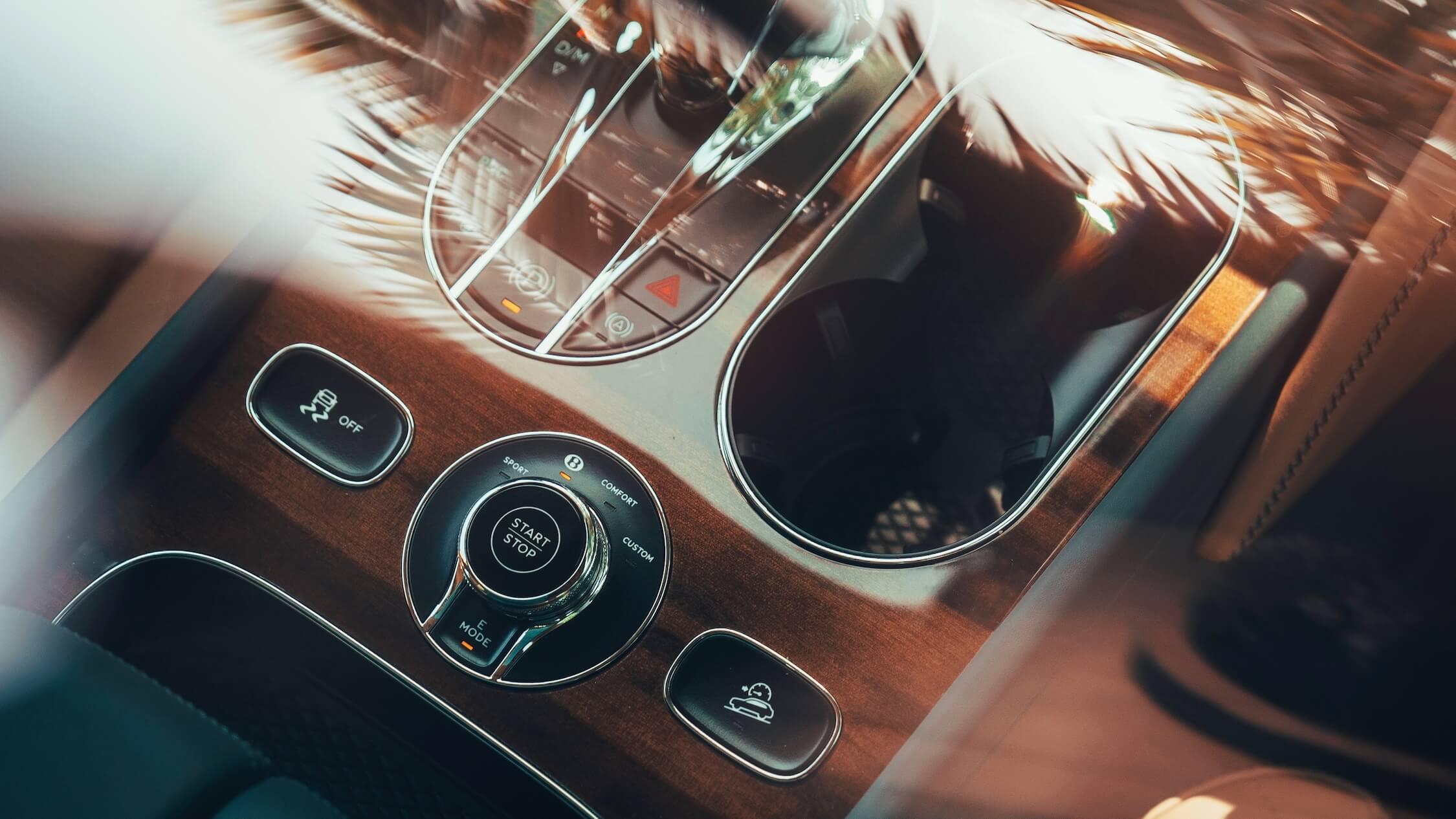 hybride Bentley Bentayga versnellingen