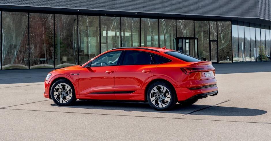 Audi e tron Sportback rood