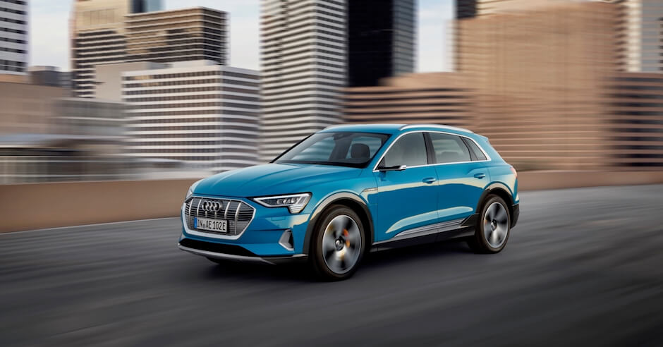 Audi e tron blauw