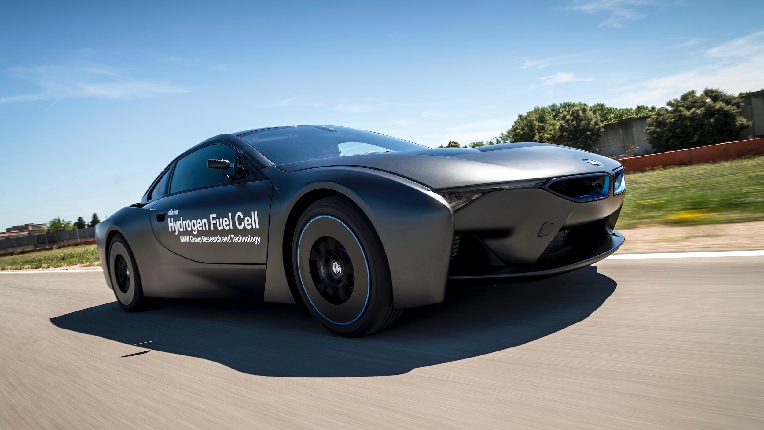 BMW i8 op waterstof
