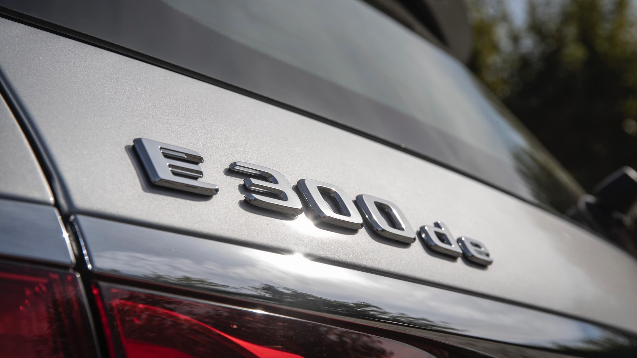 Mercedes E 300de badge