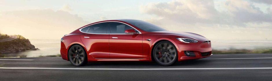Tesla Model S met Cheetah Launch