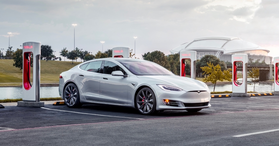 Tesla Model S opladen Supercharger