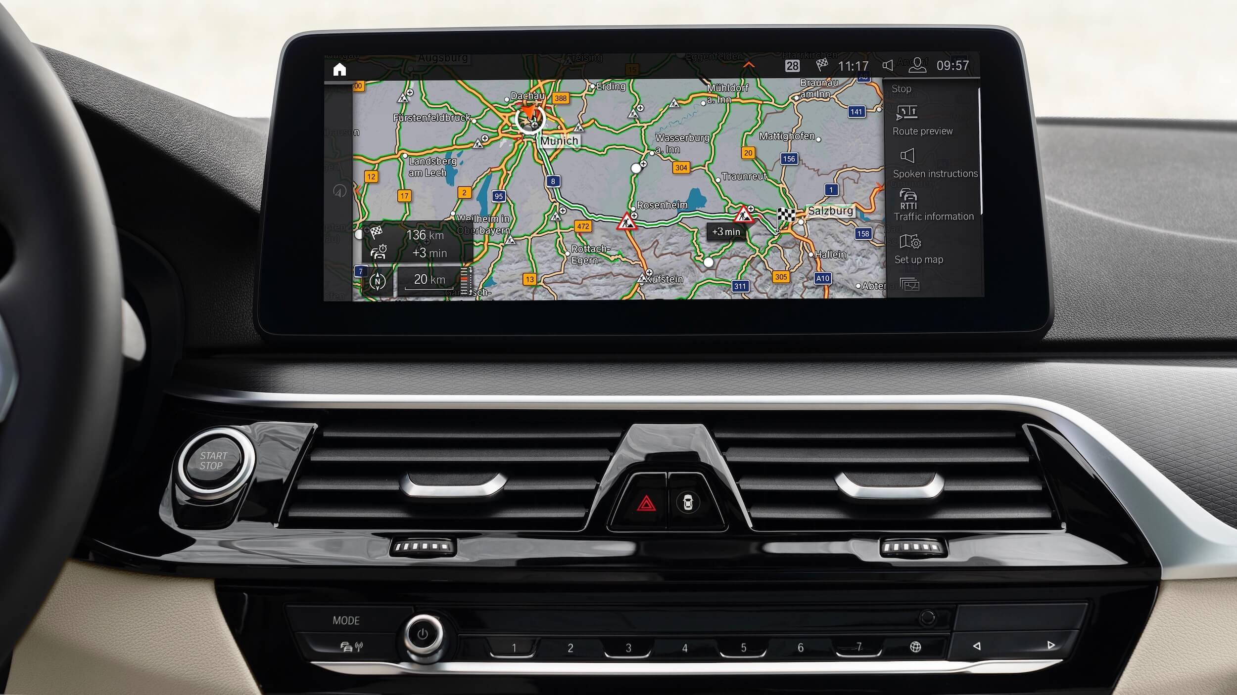BMW 530e G30 facelift infotainment scherm