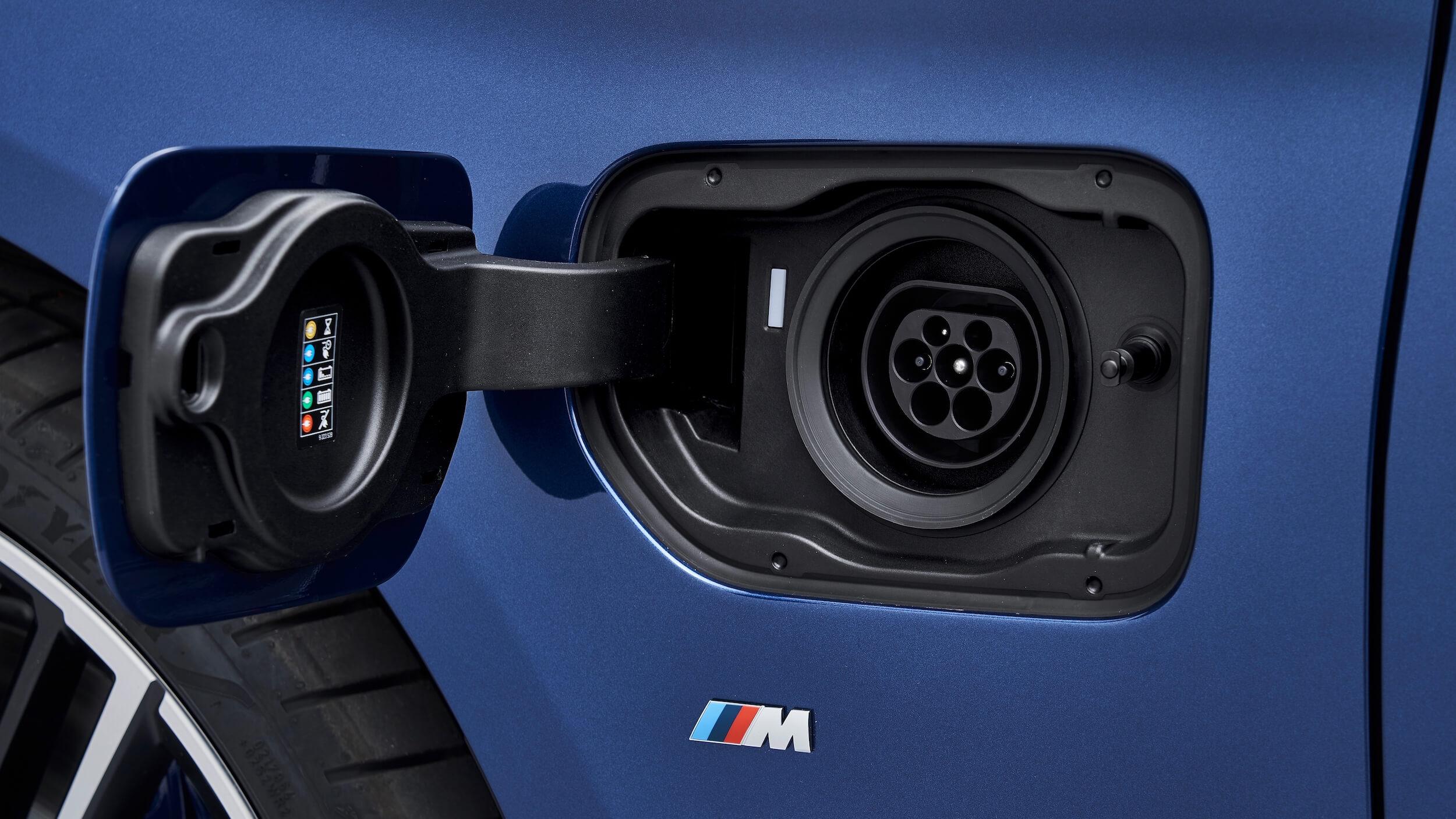 BMW 530e laadplug