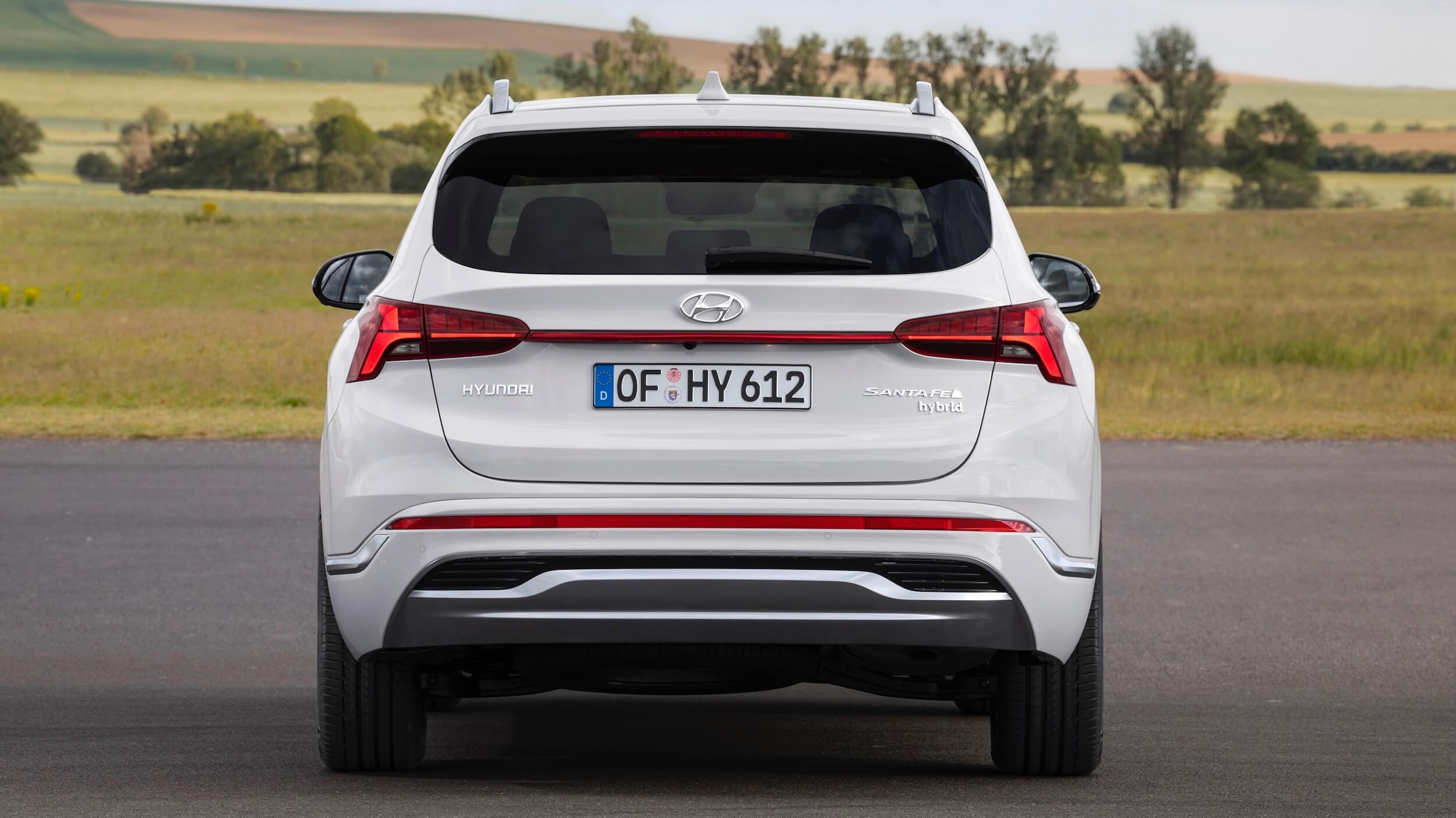 Hyundai Santa Fe Hybrid achterkant