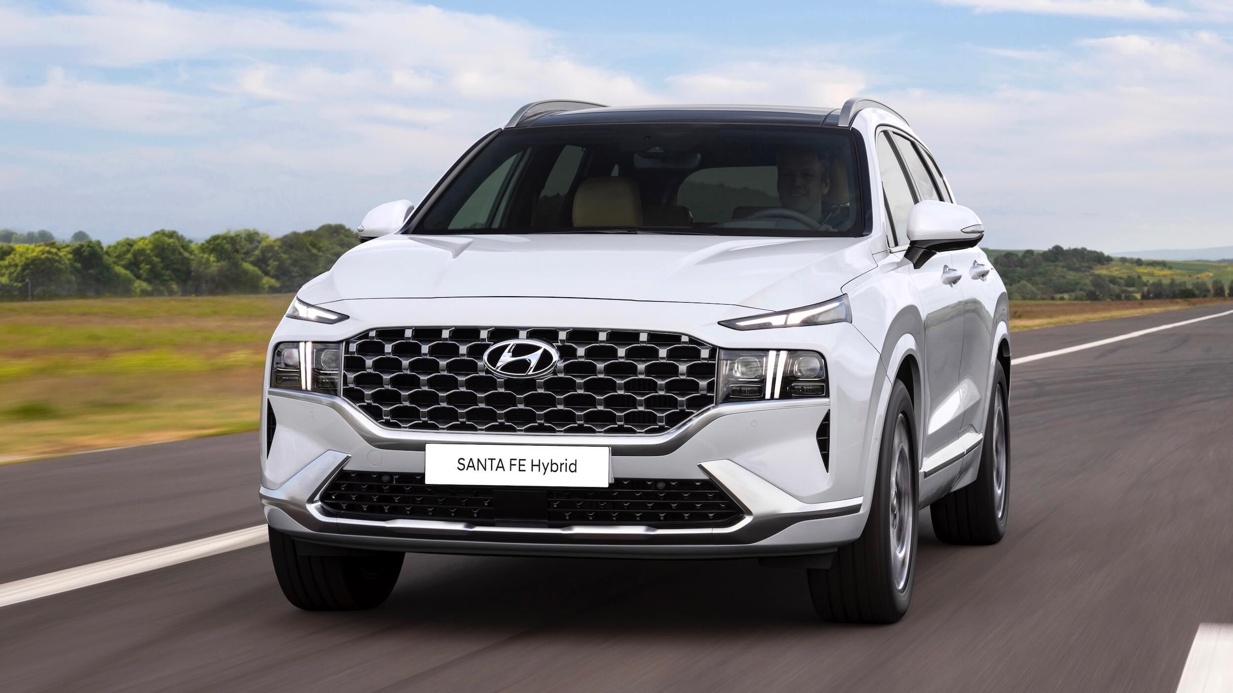 Hyundai Santa Fe PHEV 1 1