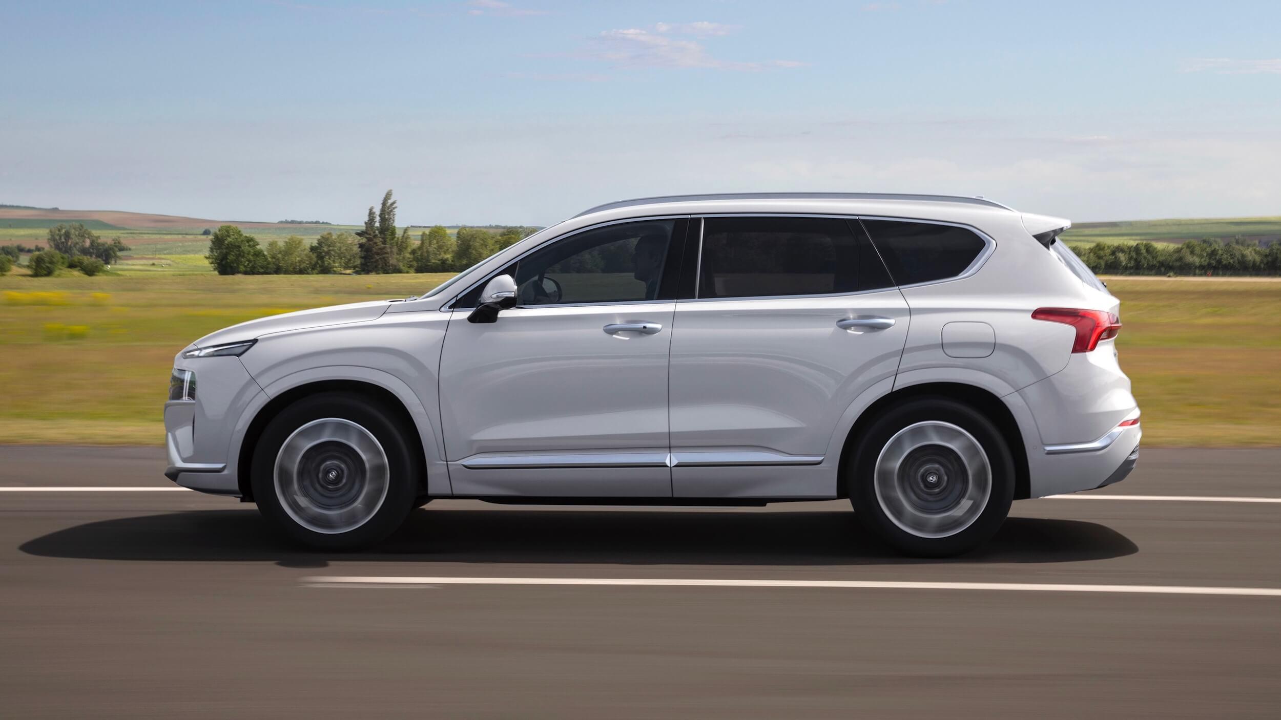 Hyundai Santa Fe PHEV 2