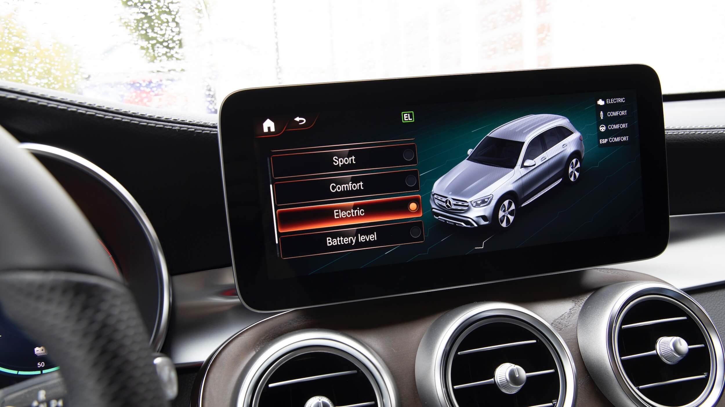 Mercedes GLC 300e SUV scherm