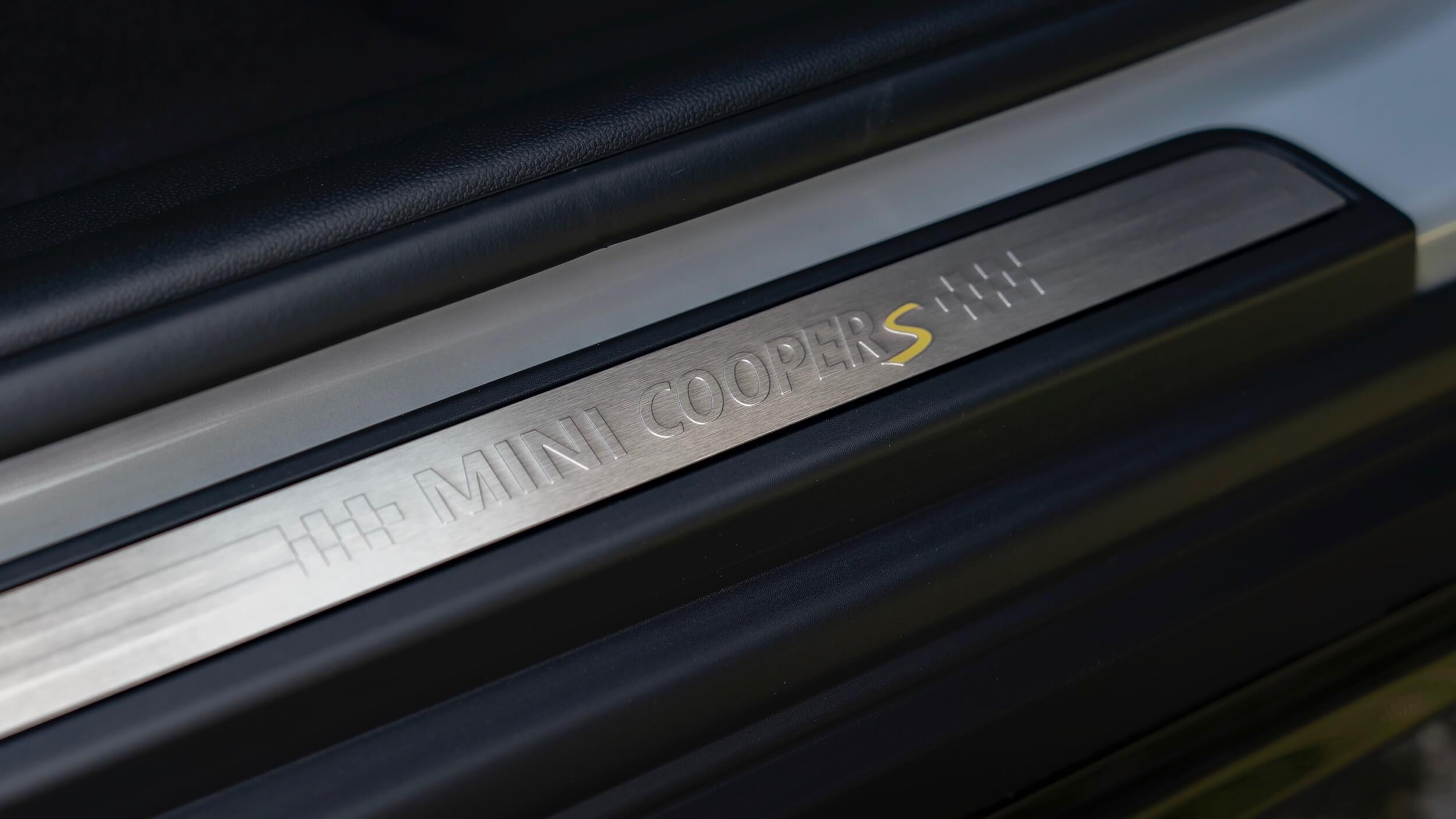 Mini plug in hybride deurlijst