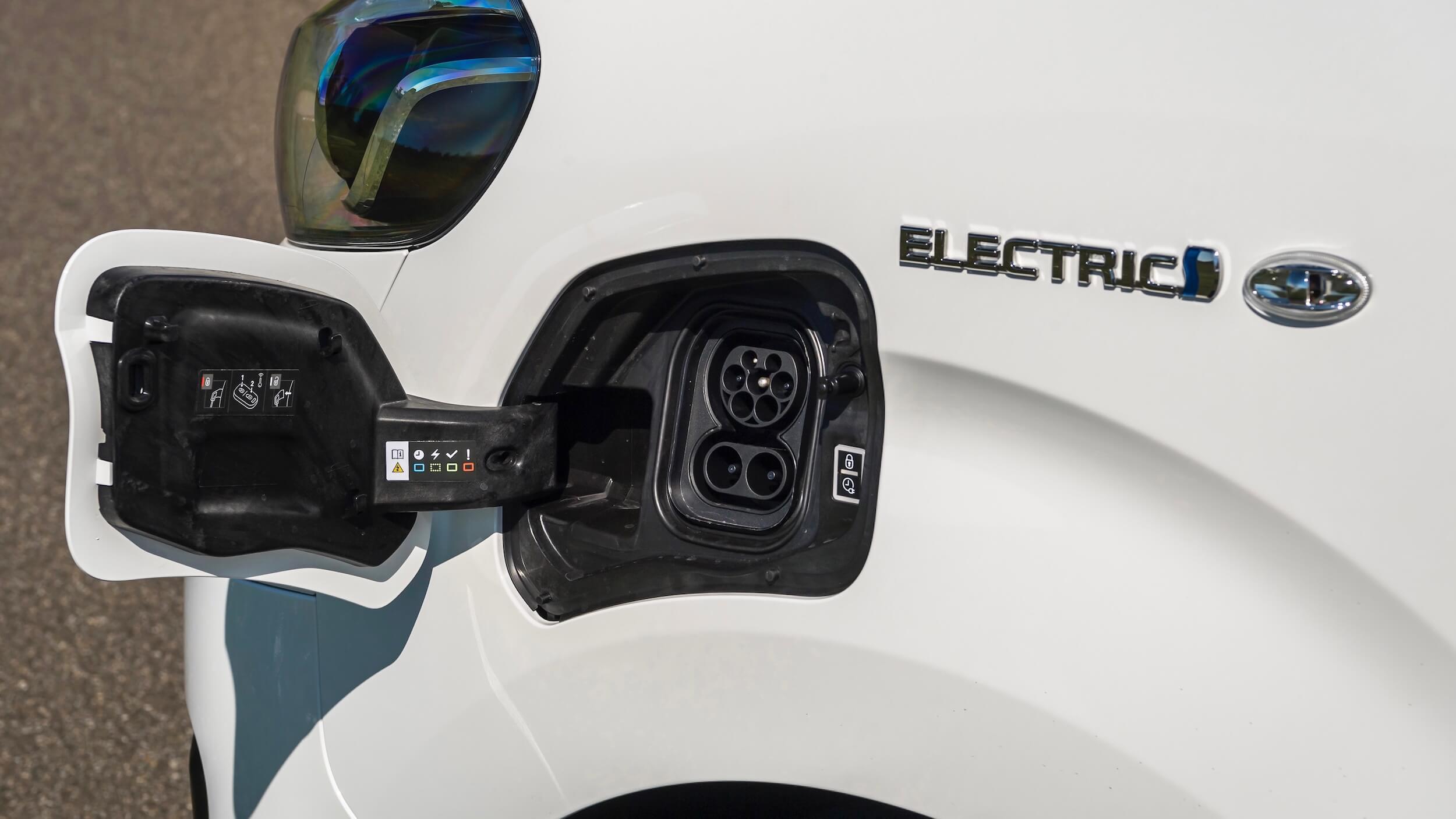 Toyota Proace Electric laad plug
