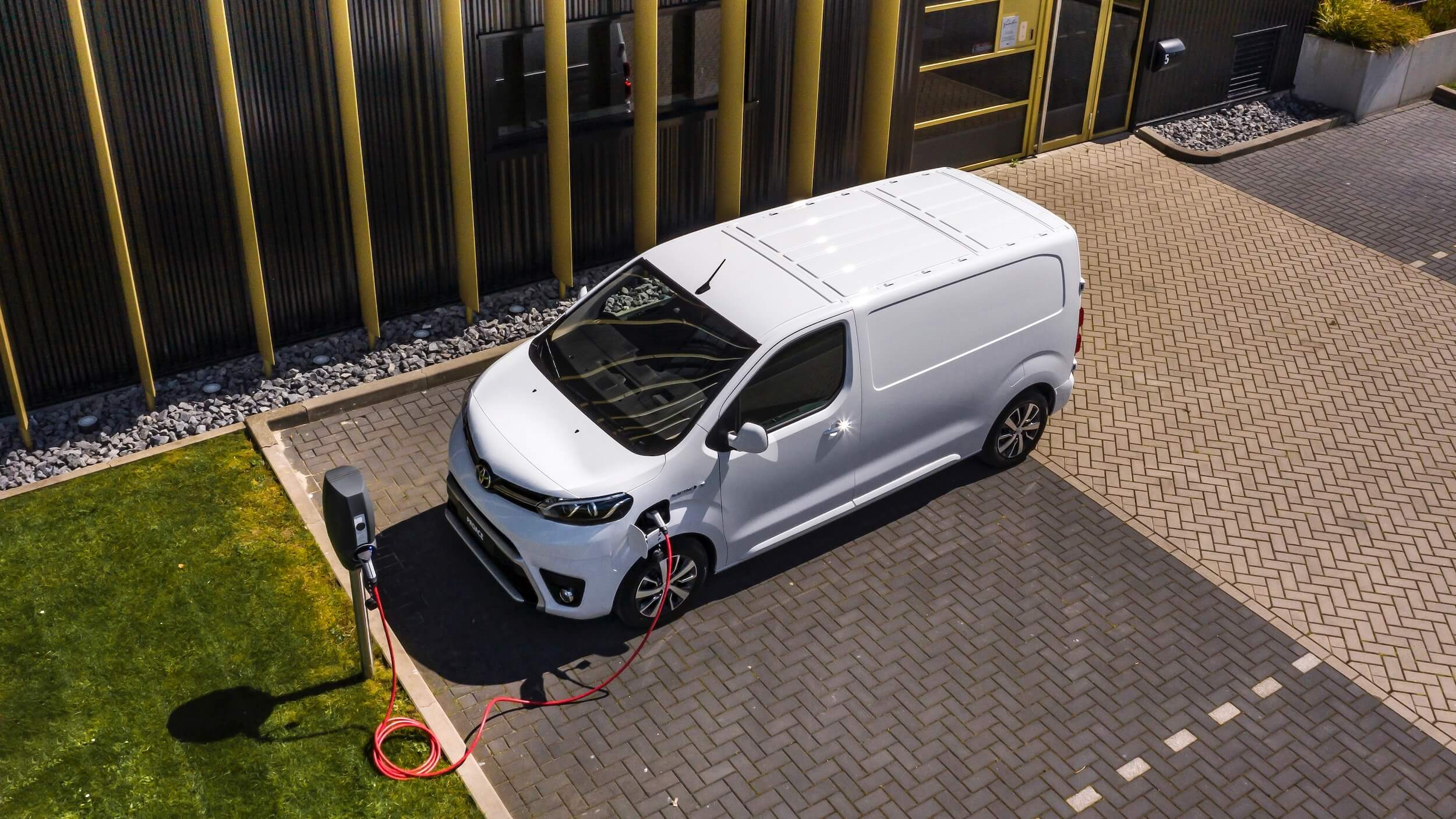 Toyota Proace Electric opladen