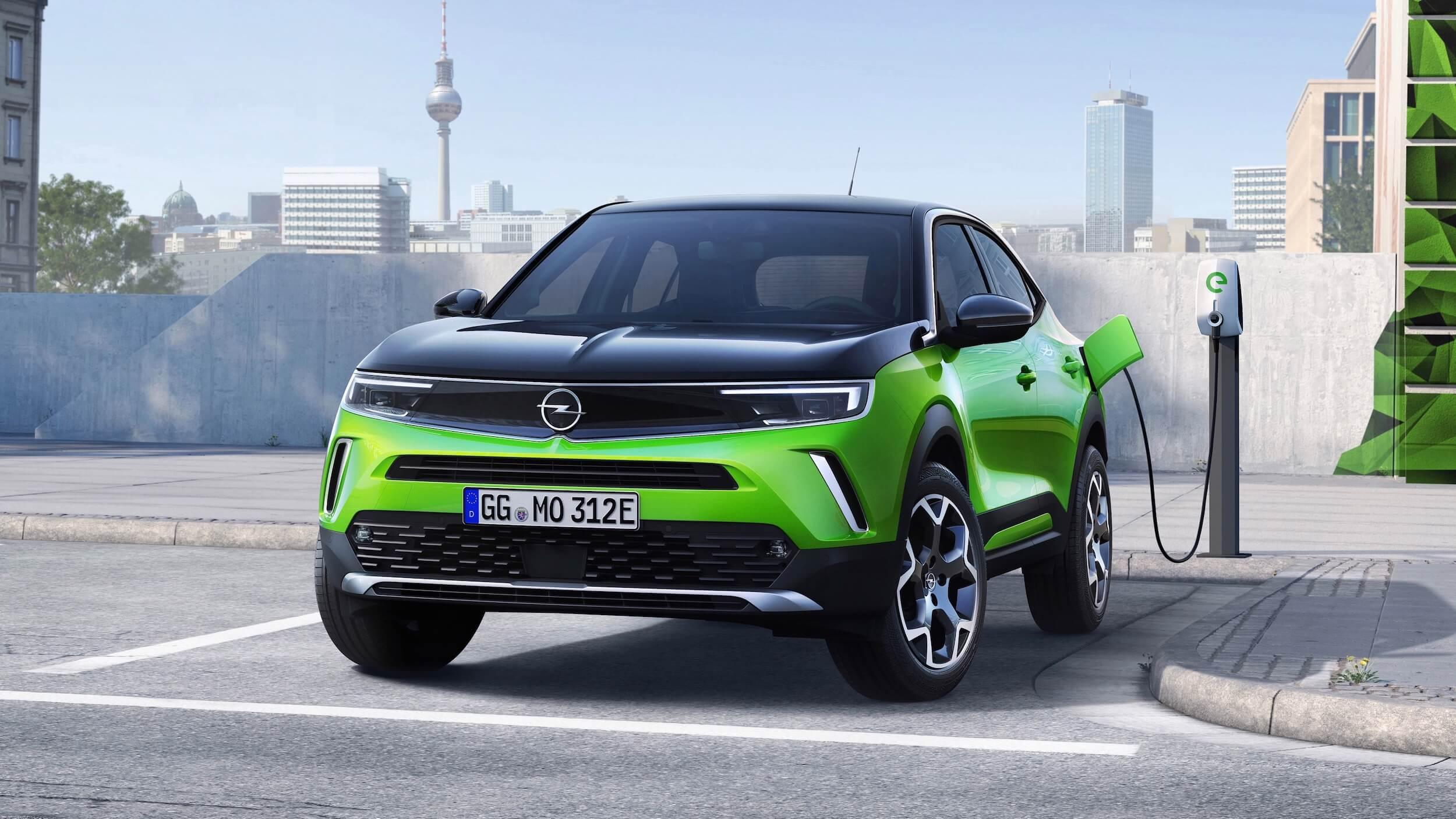 Opel Mokka e aan laadpaal