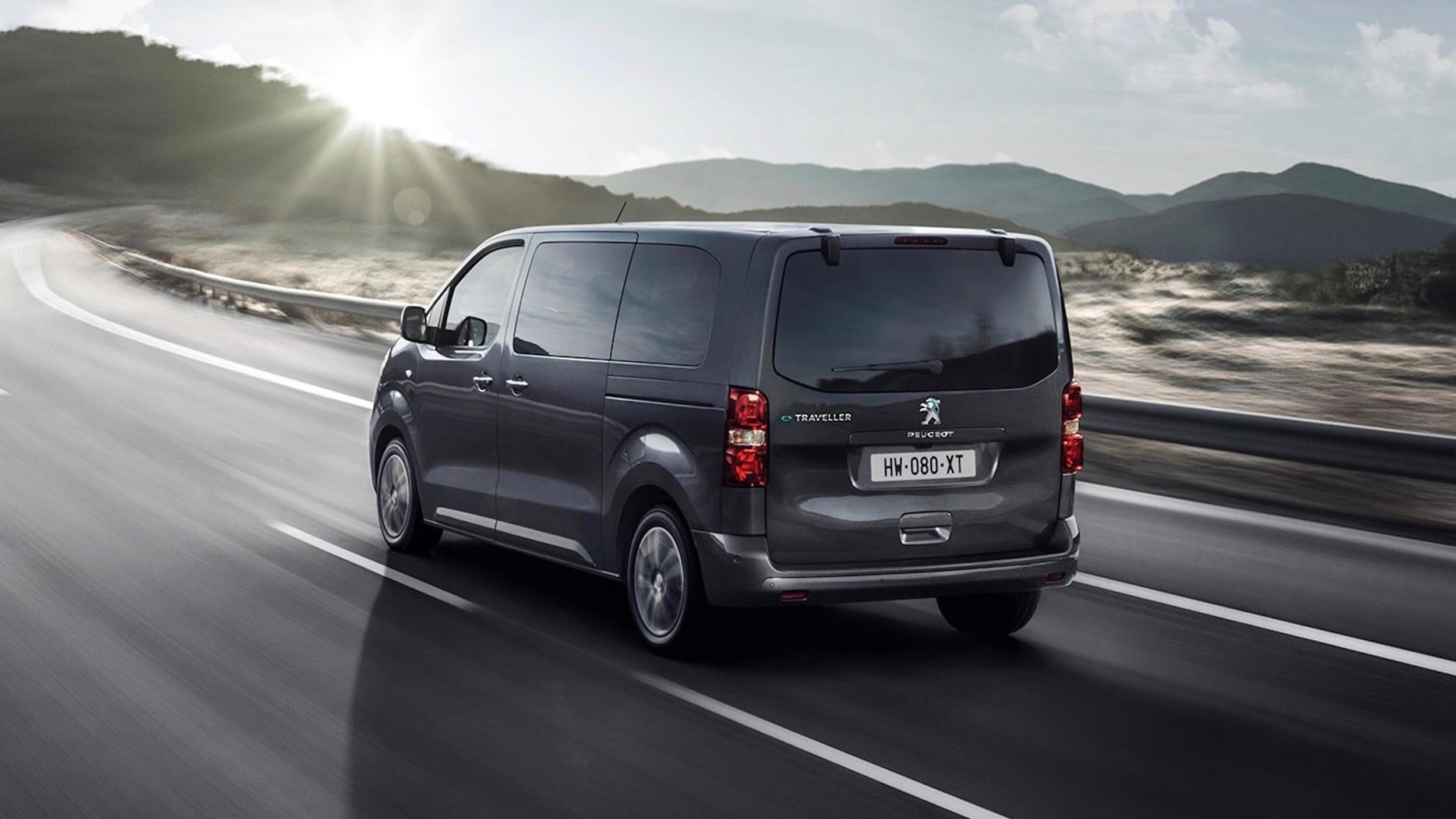 Peugeot e Traveller achterkant