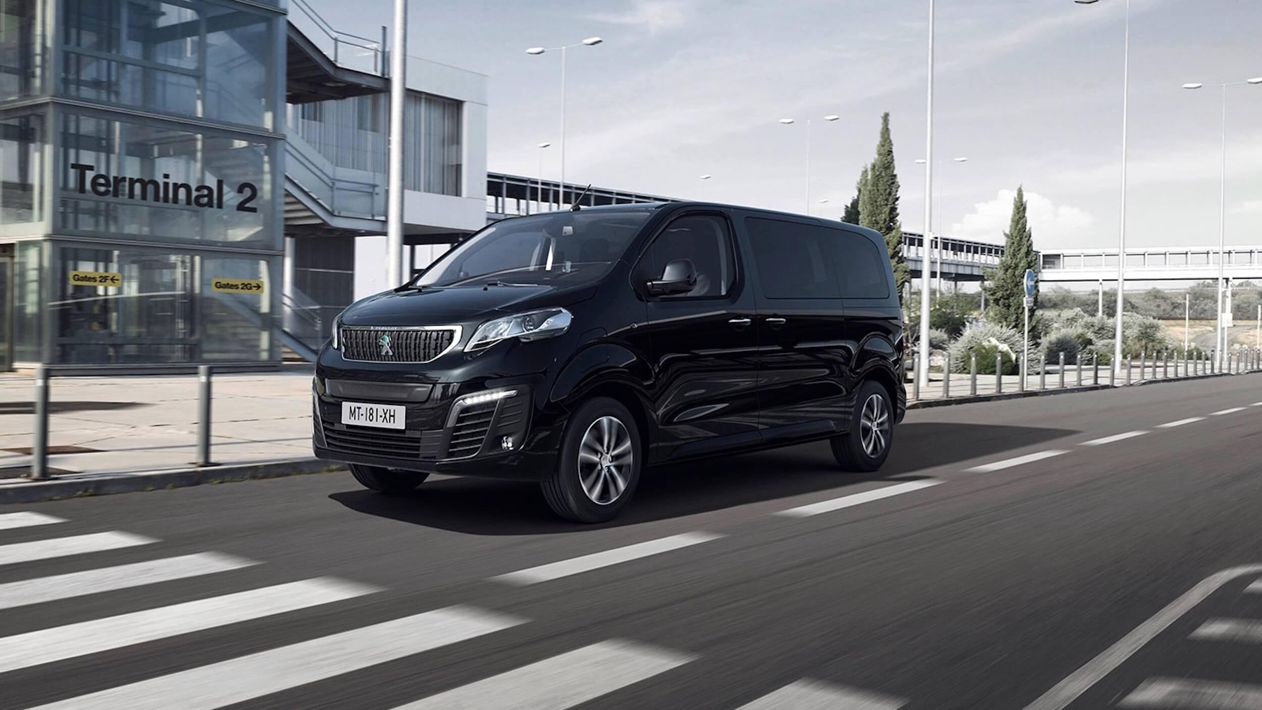 Peugeot e Traveller zwart