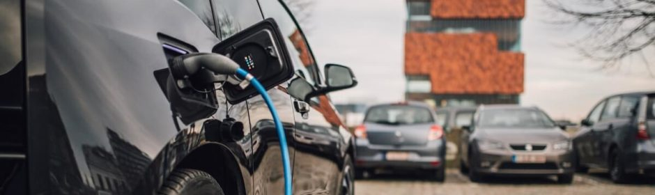 elektrische auto opladen aan MAS