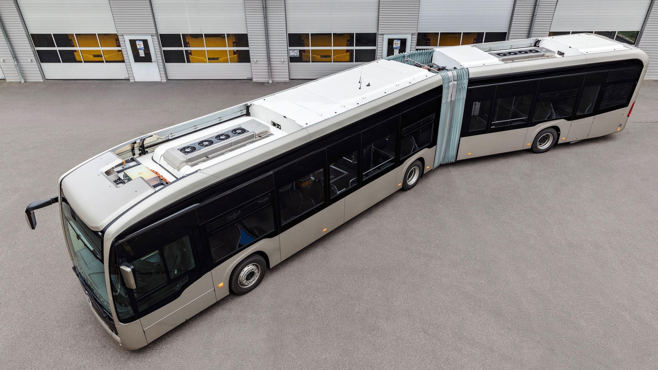 Elektrische Mercedes bus