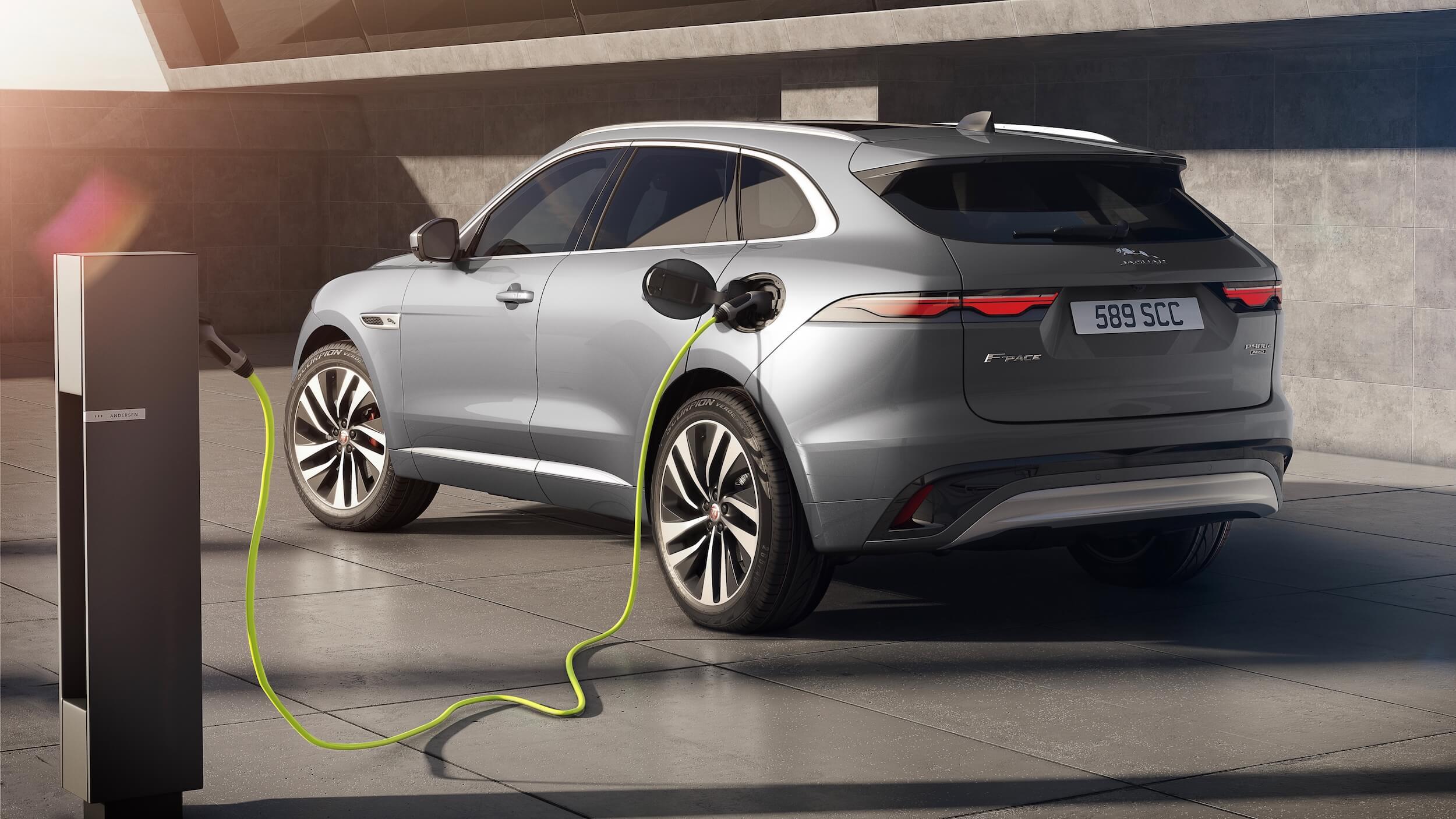 Plug in hybride Jaguar F Pace opladen