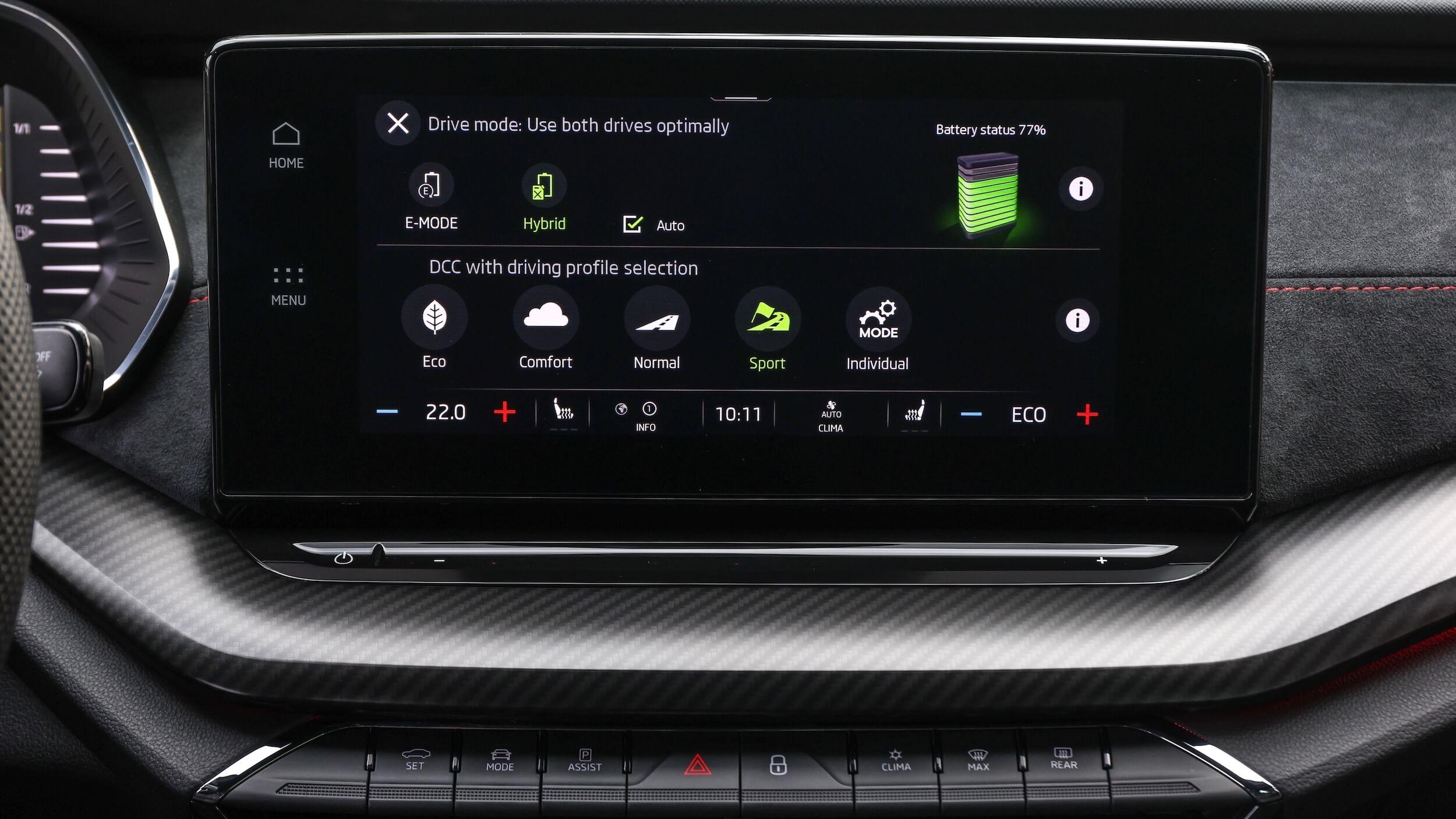 Skoda Octavia Combi RS iV Mk4 infotainment