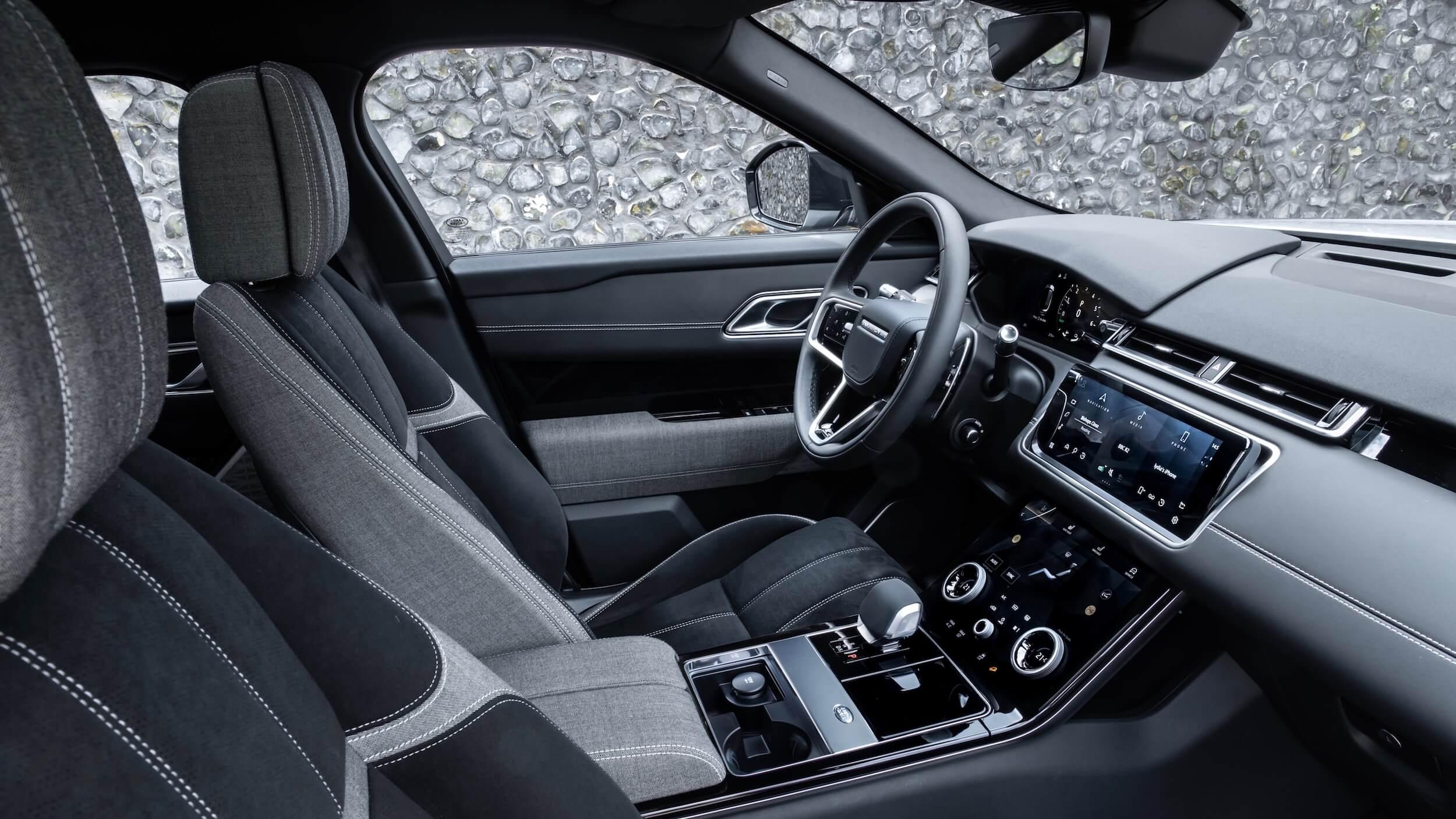 Range Rover Velar P400e interieur