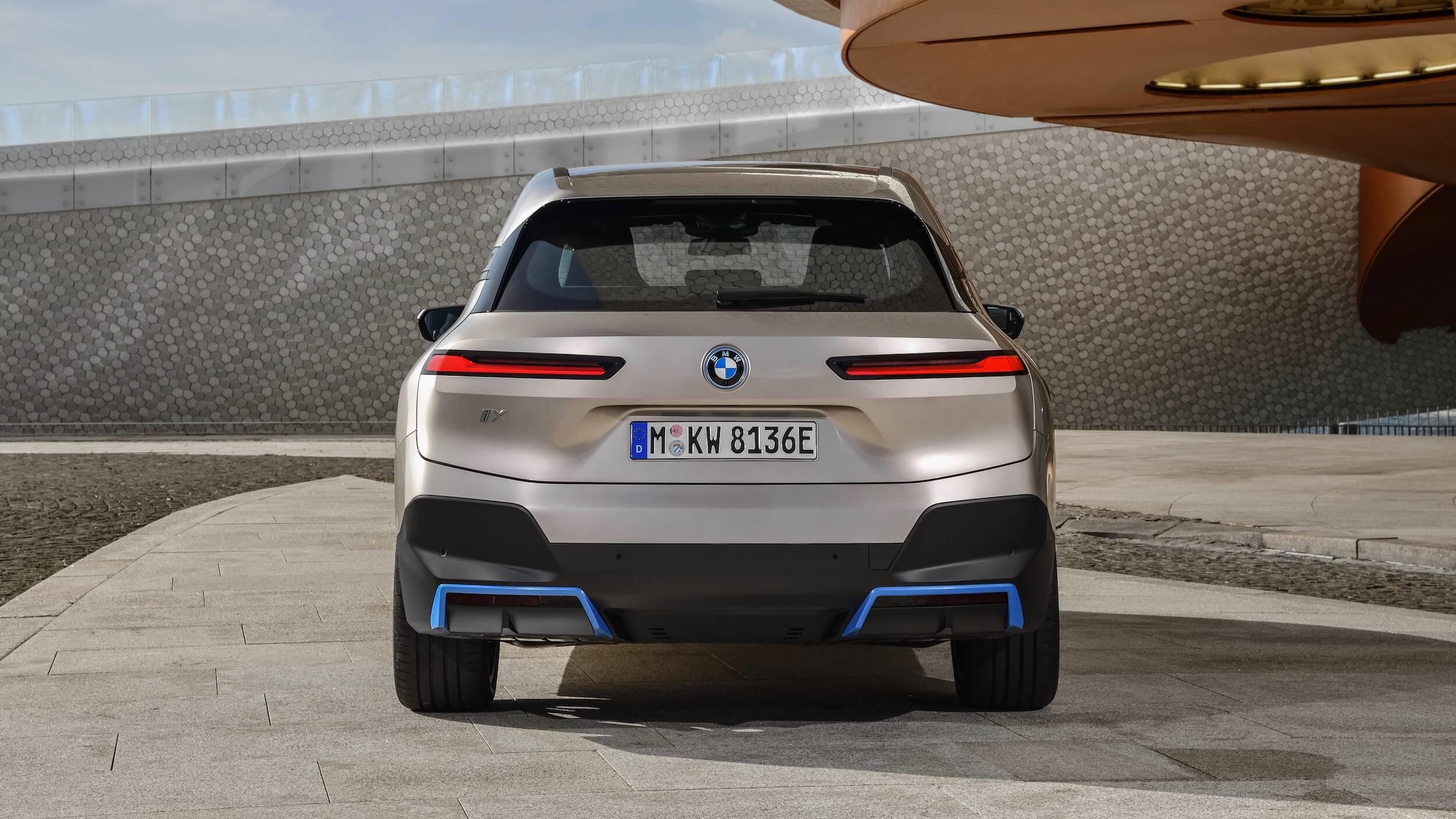 BMW iX achterkant 1