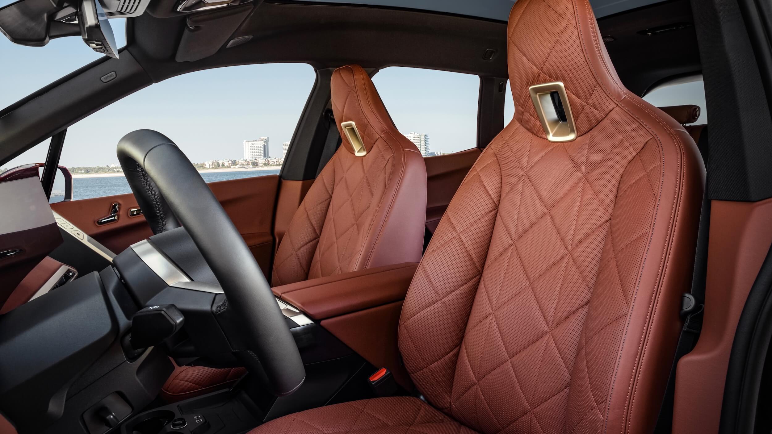 BMW iX rode zetels