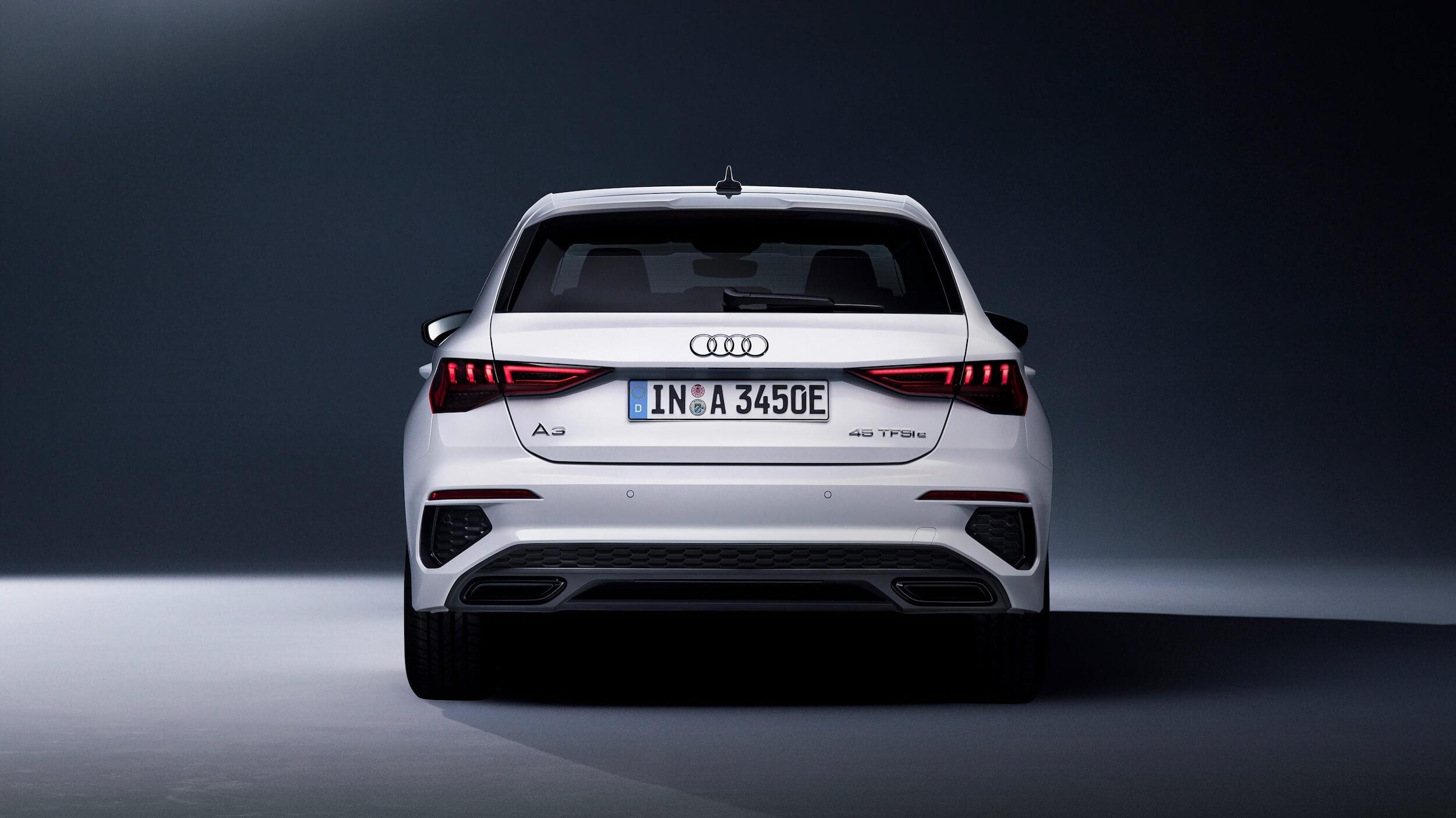 Audi A3 Sportback 45 TFSIe achterkant