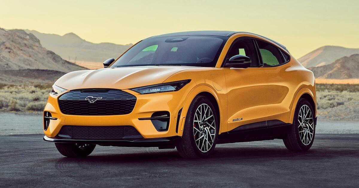 Elektrische Ford Mustang Geel