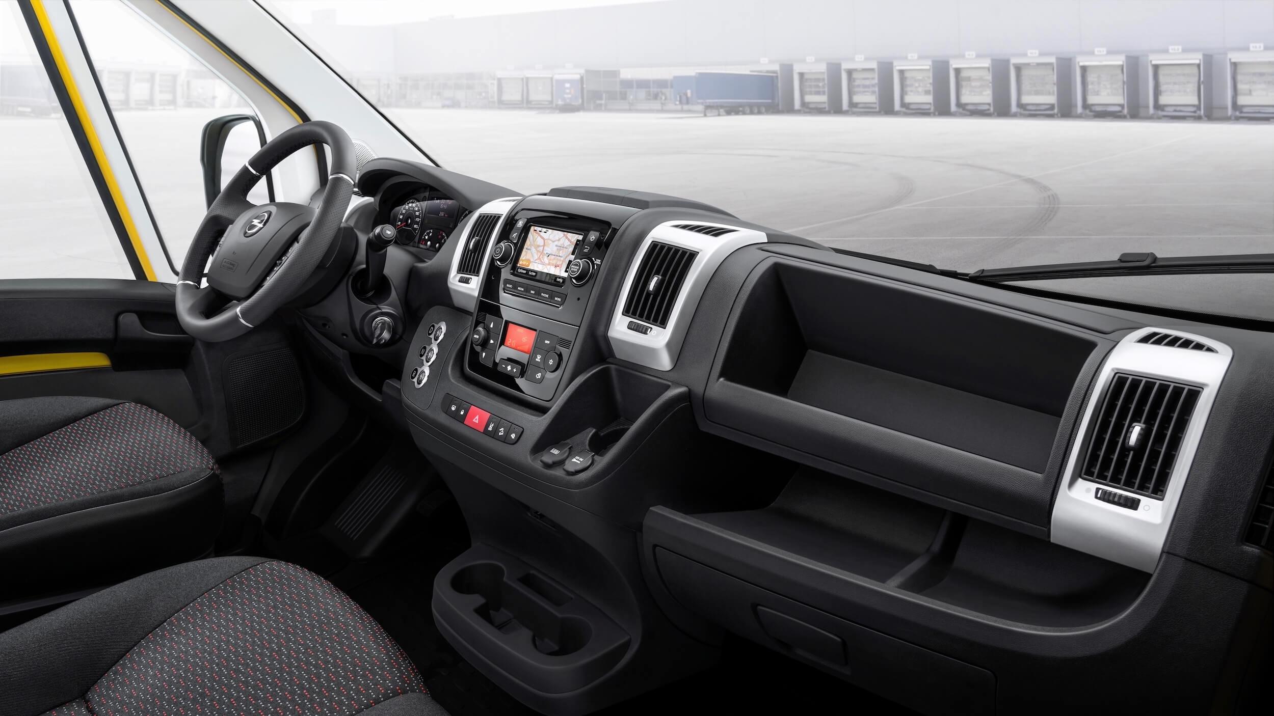 Opel Movano e 6
