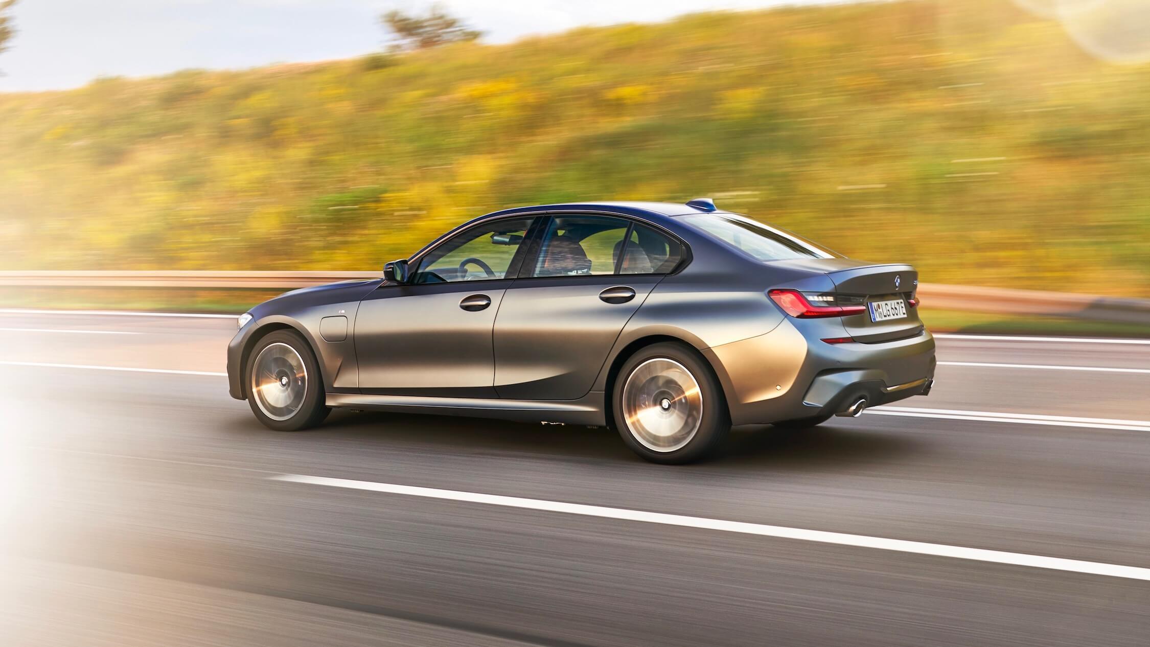 BMW 330xe sedan