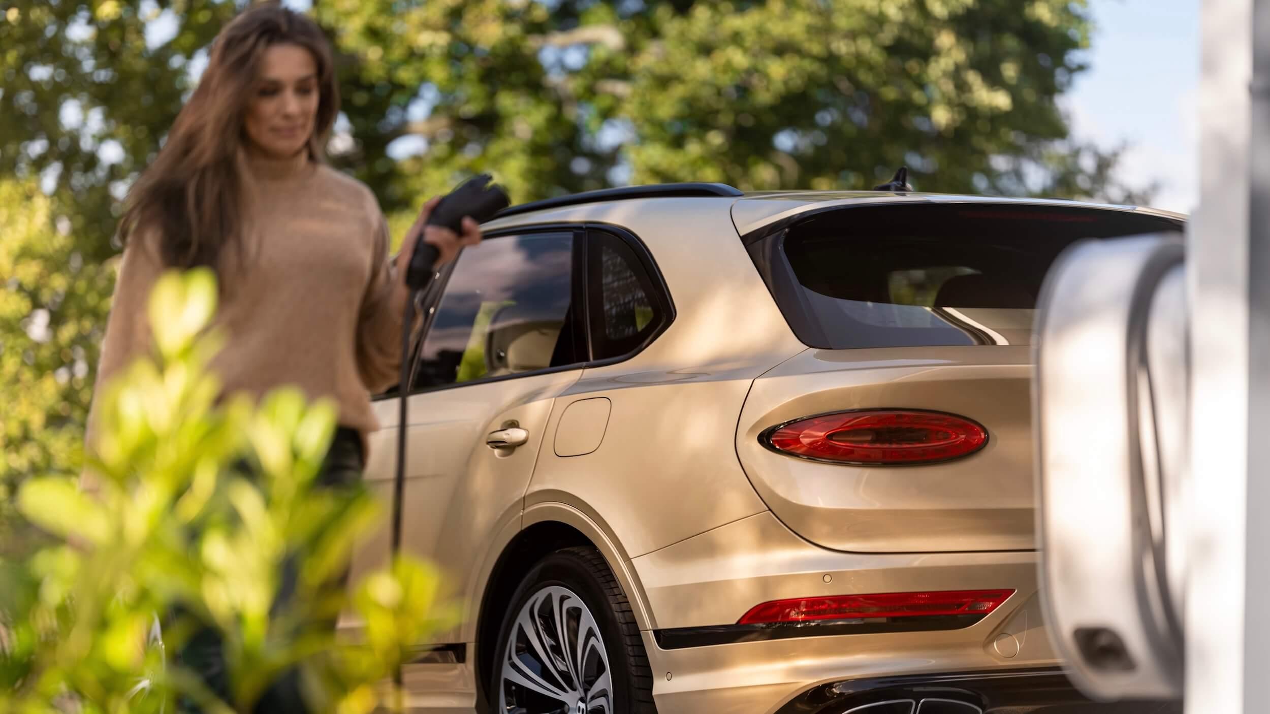 Bentley Bentayga PHEV opladen