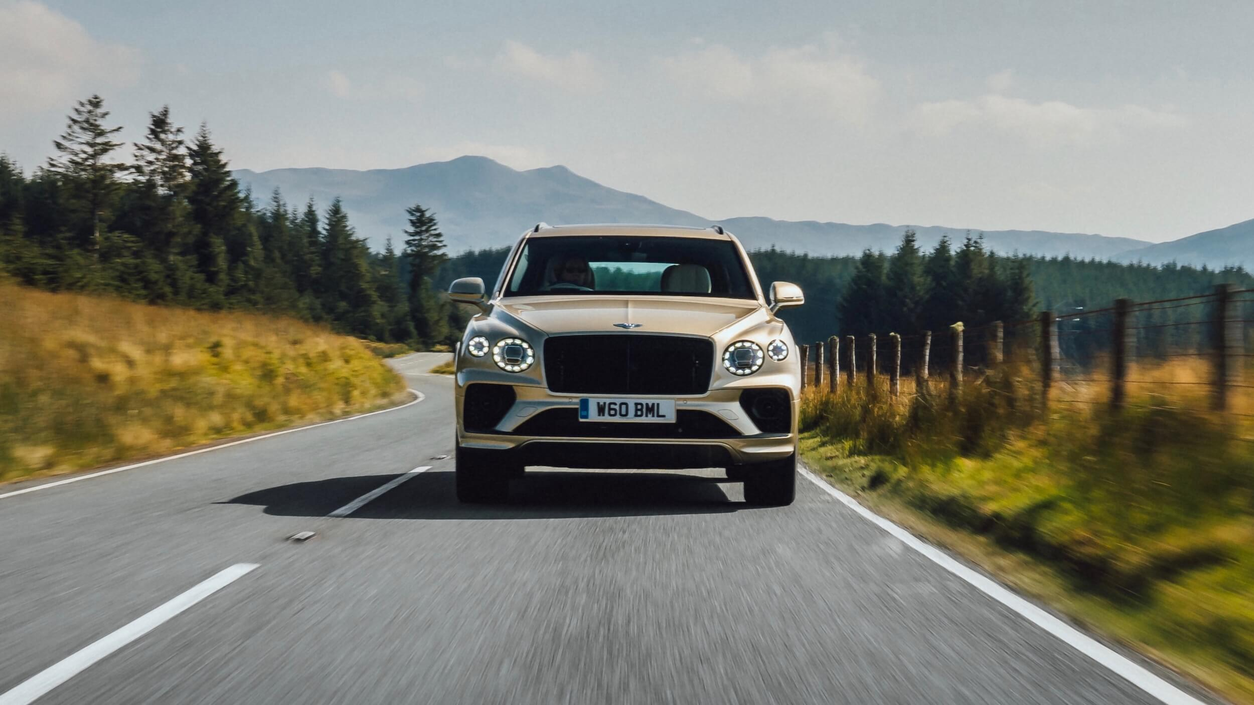 Bentley Bentayga PHEV voorkant
