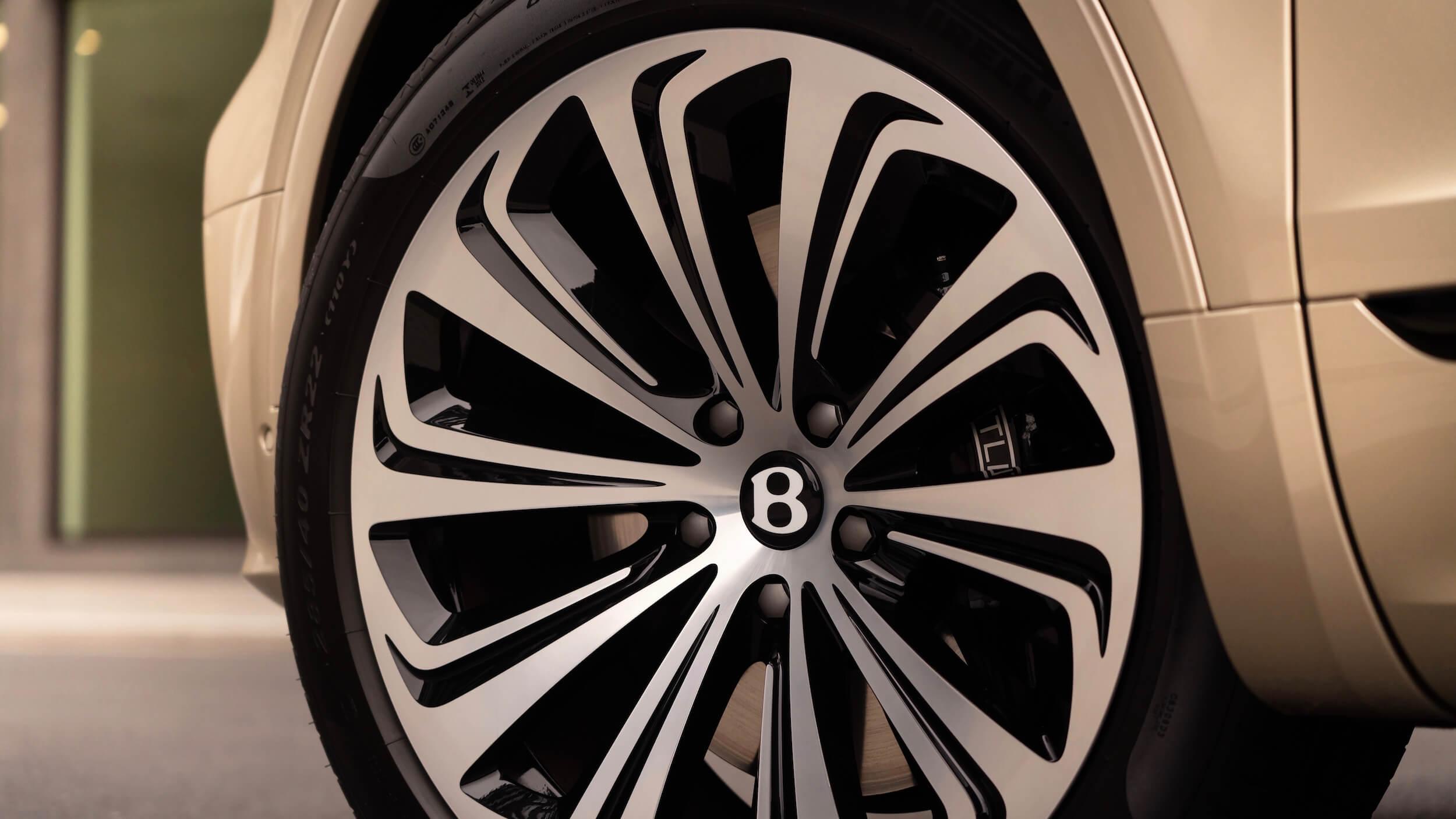 Bentley Bentayga PHEV wiel