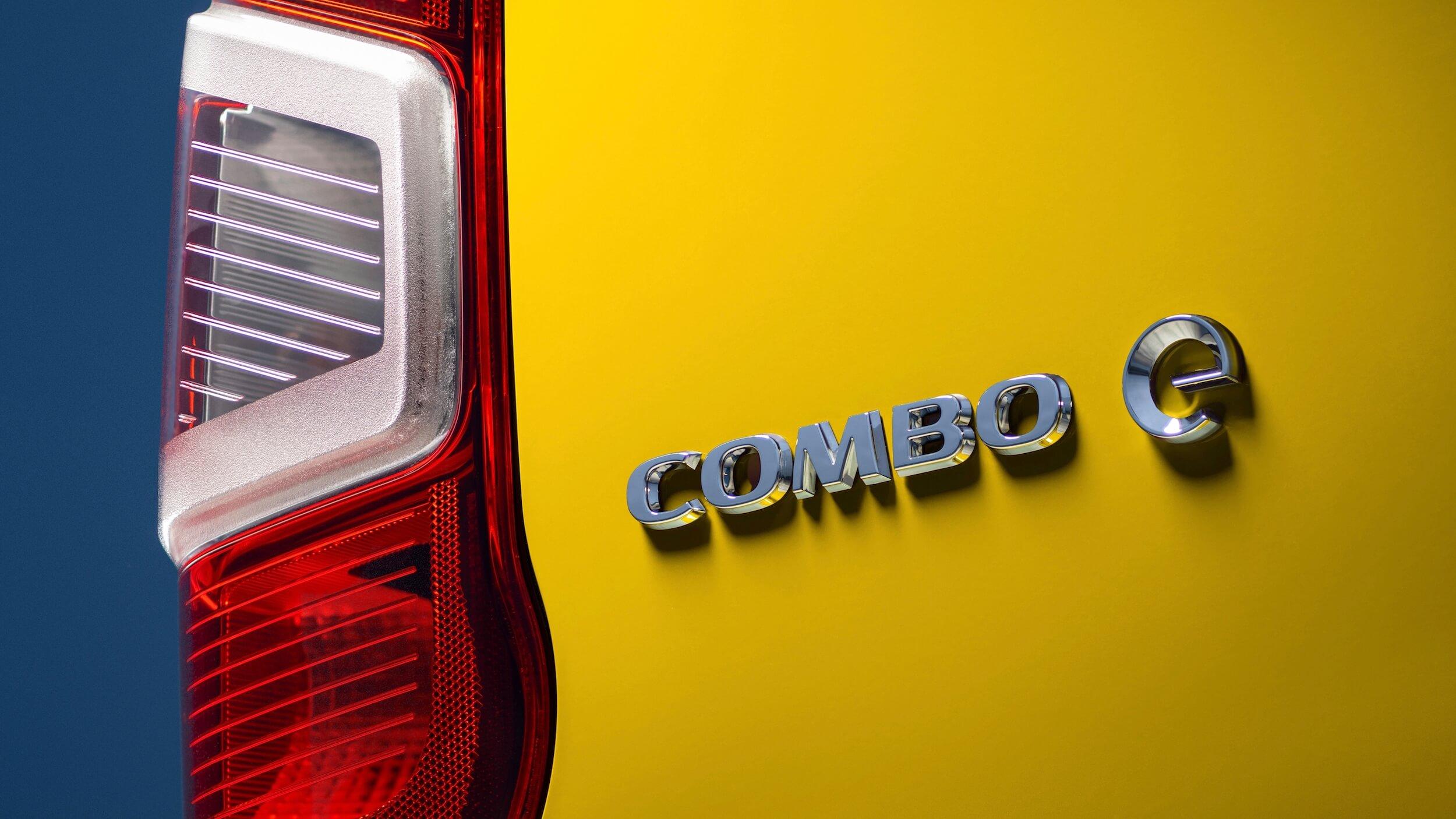 Opel Combo e Cargo badge