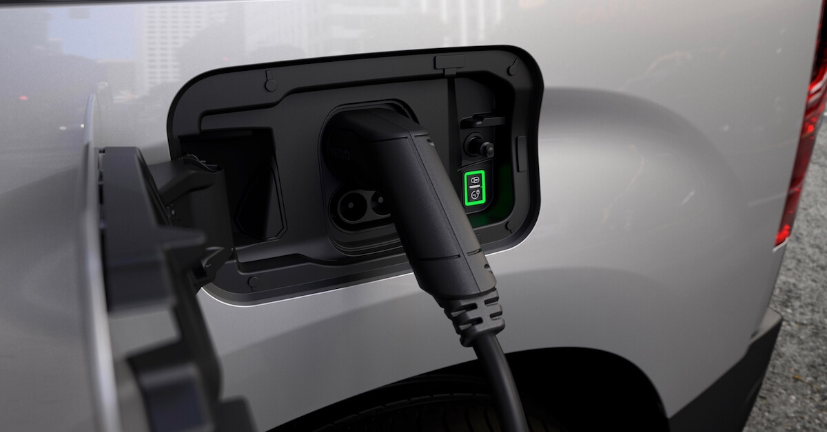 Peugeot e Partner laadplug
