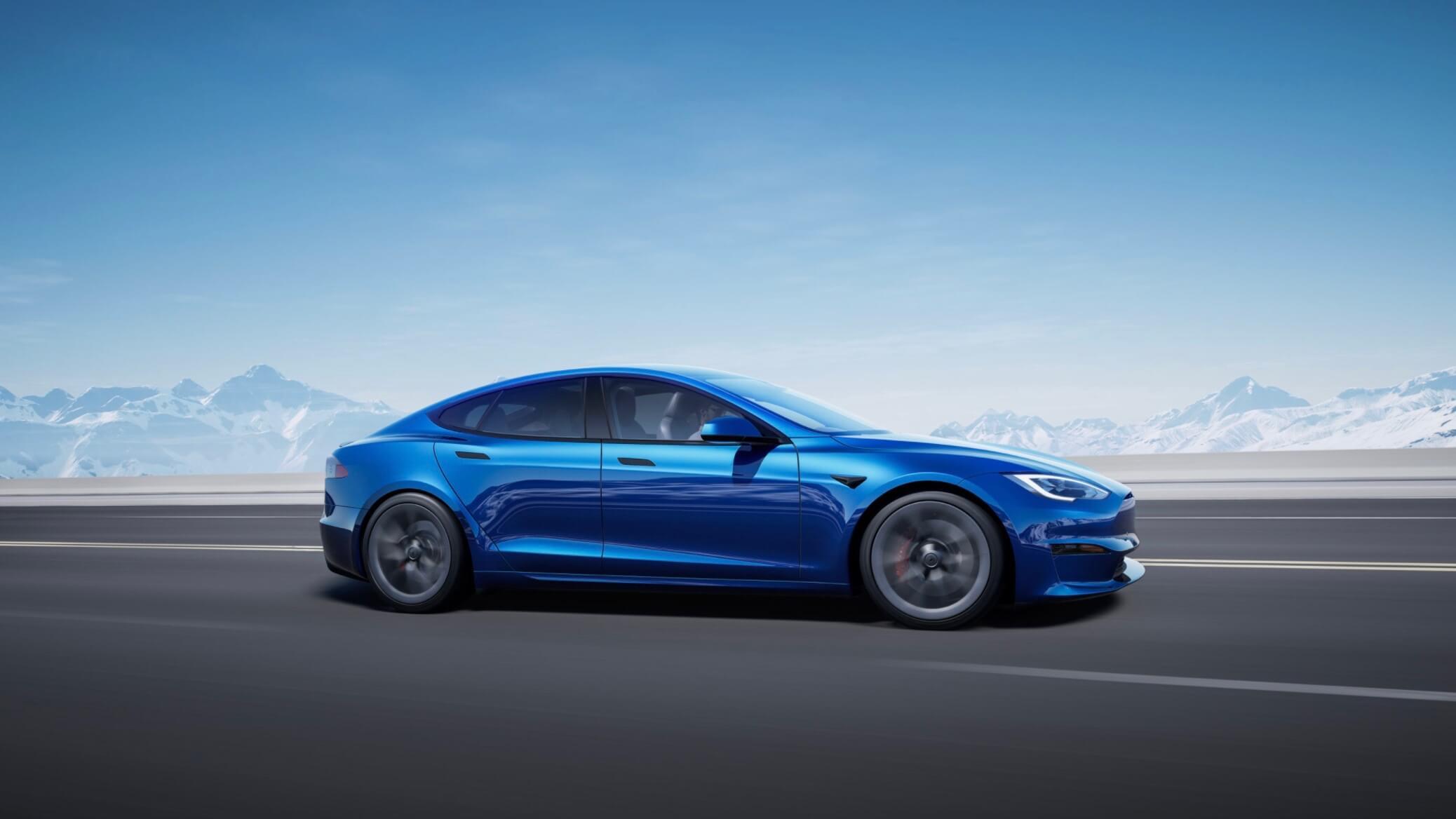 Tesla Model S blauw