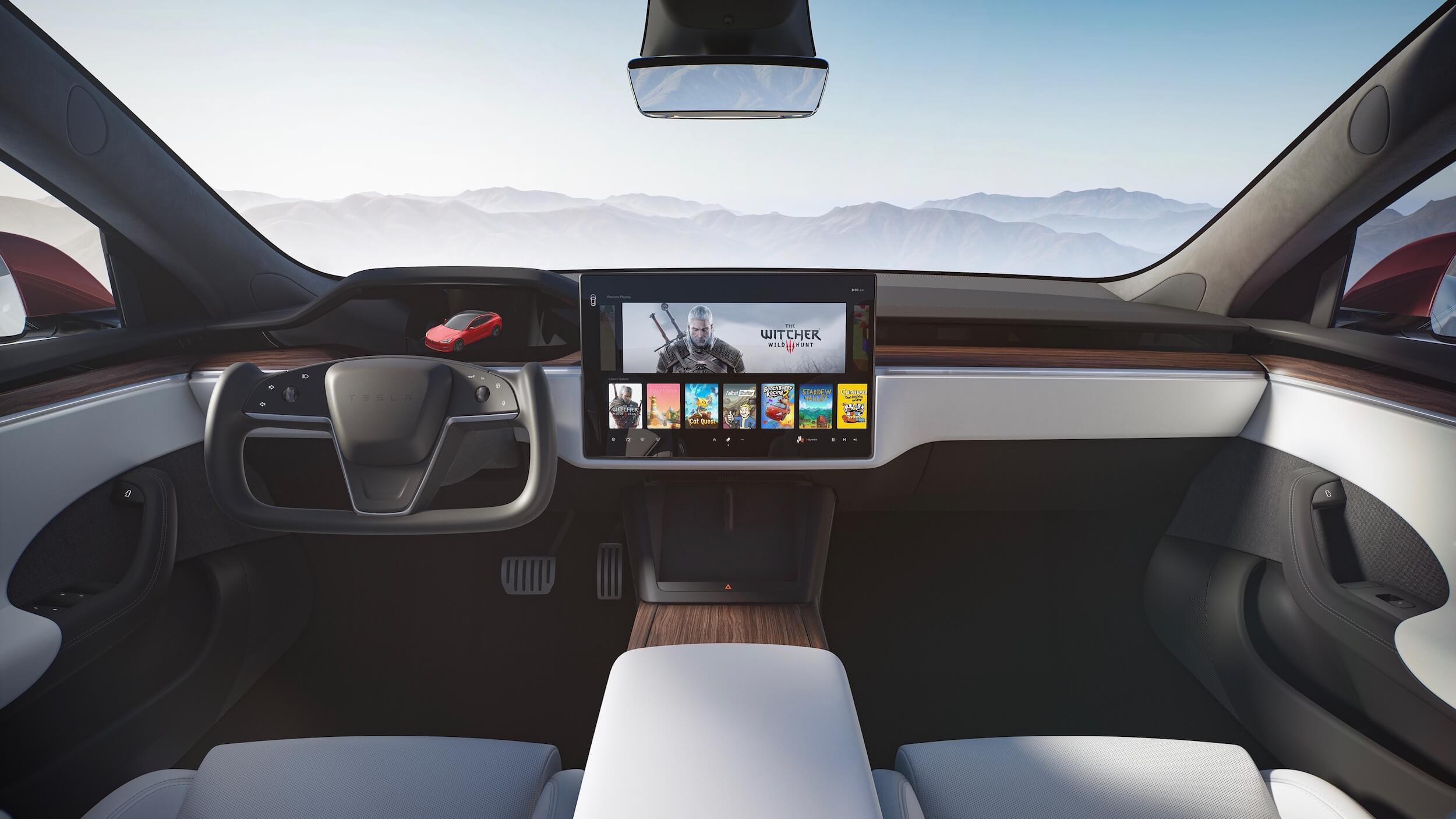 Tesla Model S dashboard 2021