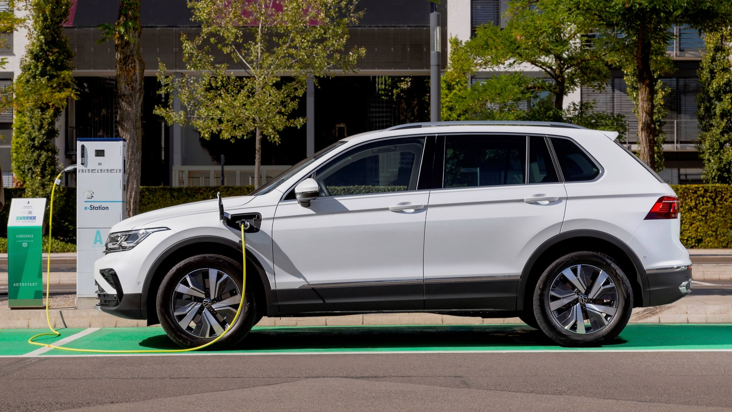 VW Tiguan eHybrid opladen
