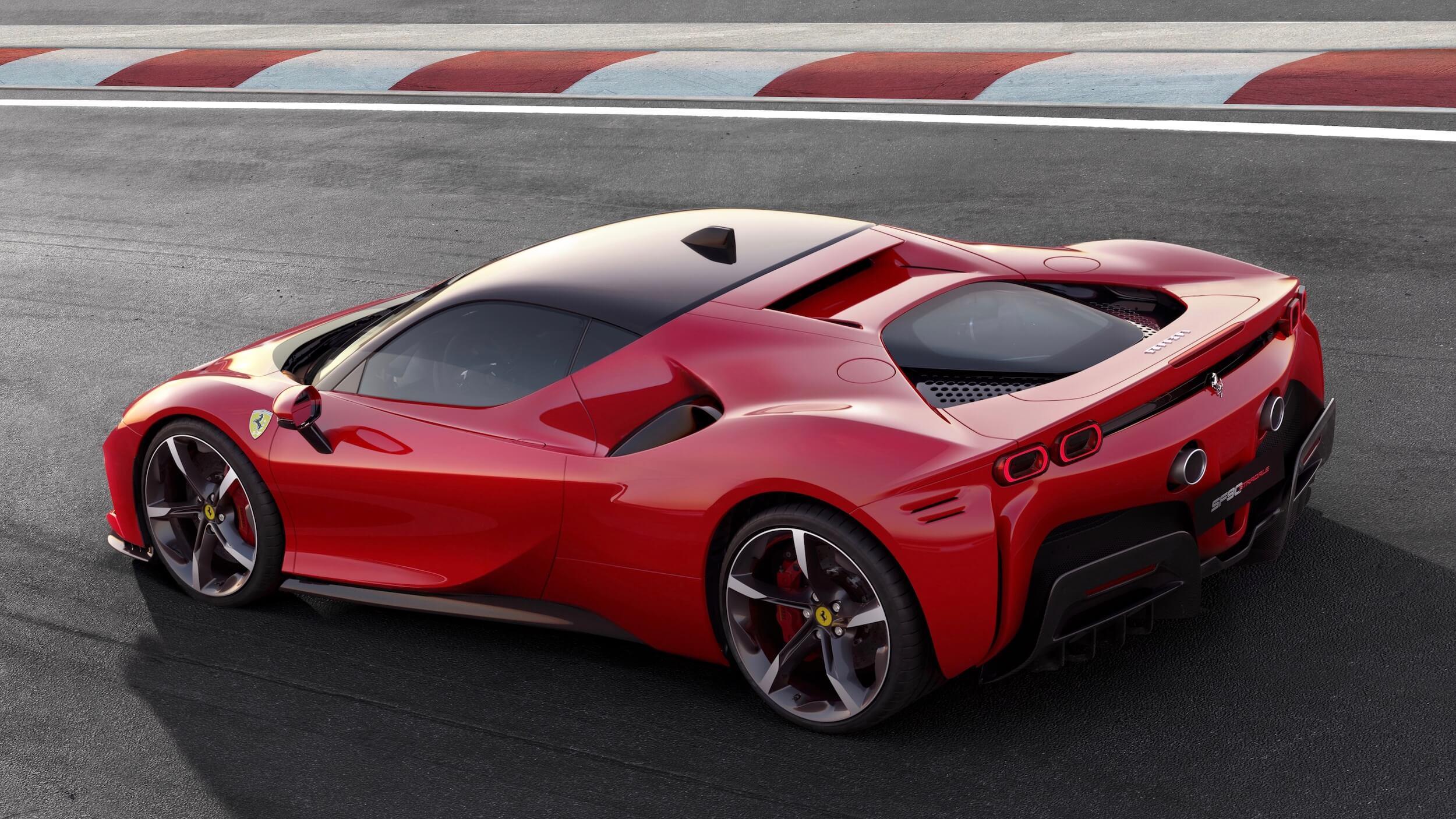 plug in hybride Ferrari