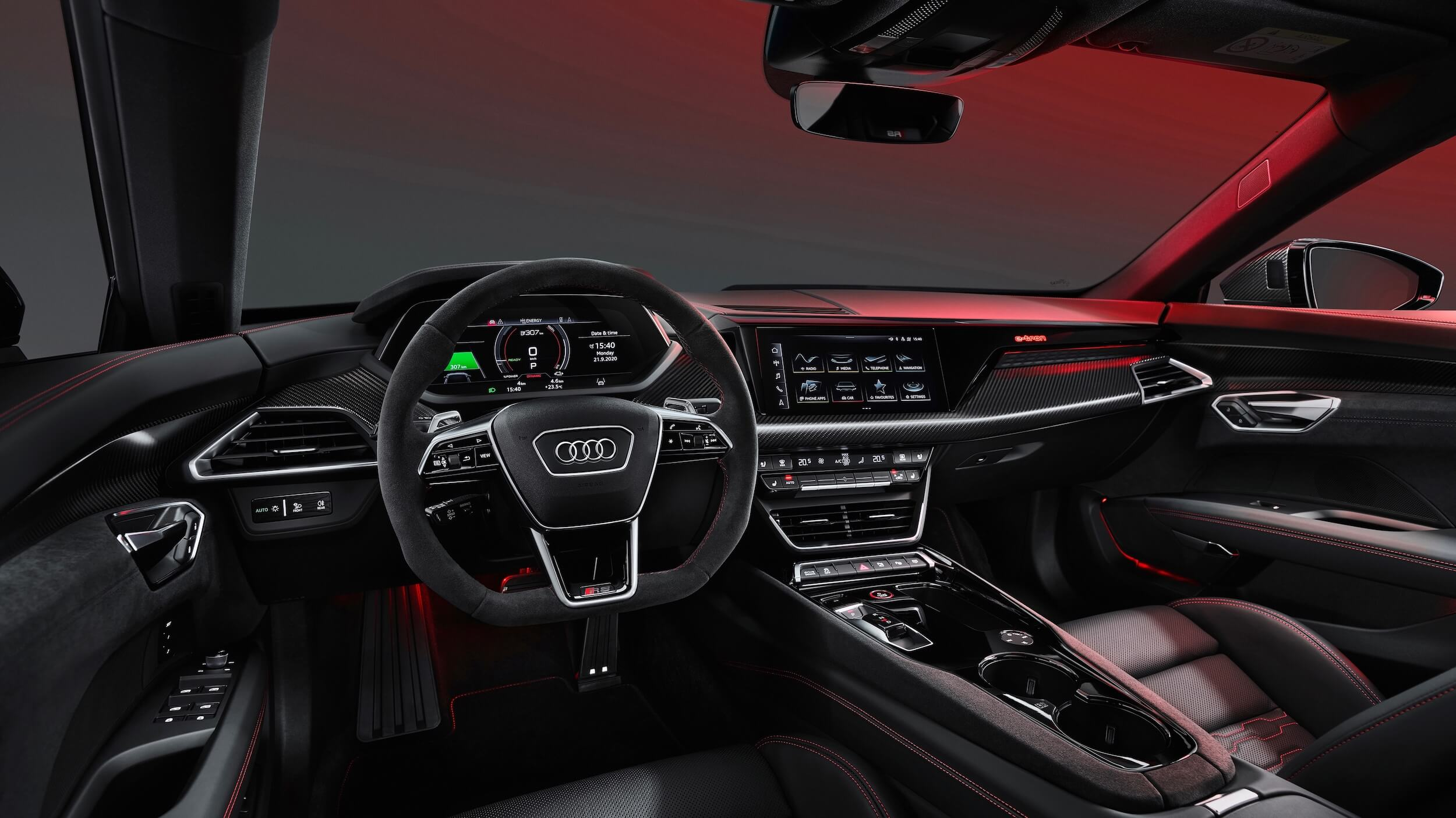 Audi e tron GT RS interieur stuur dashboard