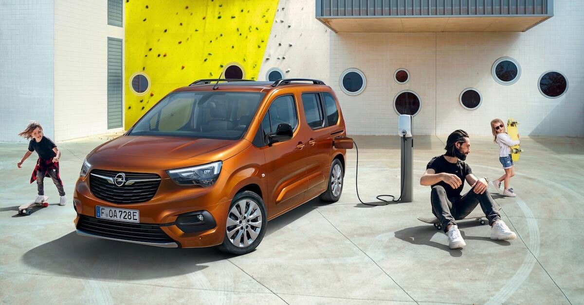Opel Combo e Life opladen aan laadpunt