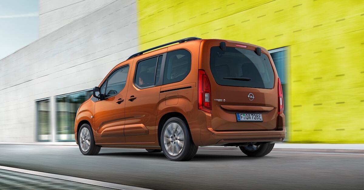 Opel Combo e Life rijdend