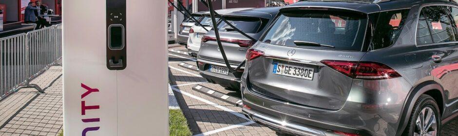 Mercedes Ionity laadpaal