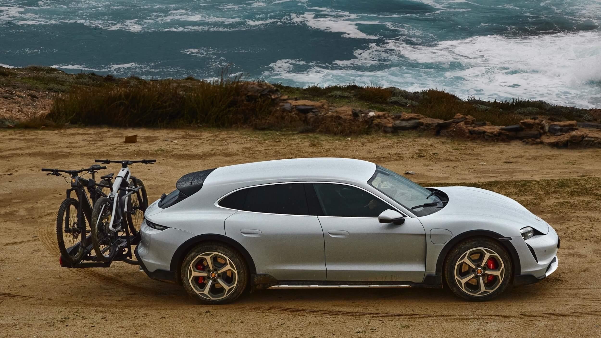 Porsche Taycan 4S Cross Turismo profiel