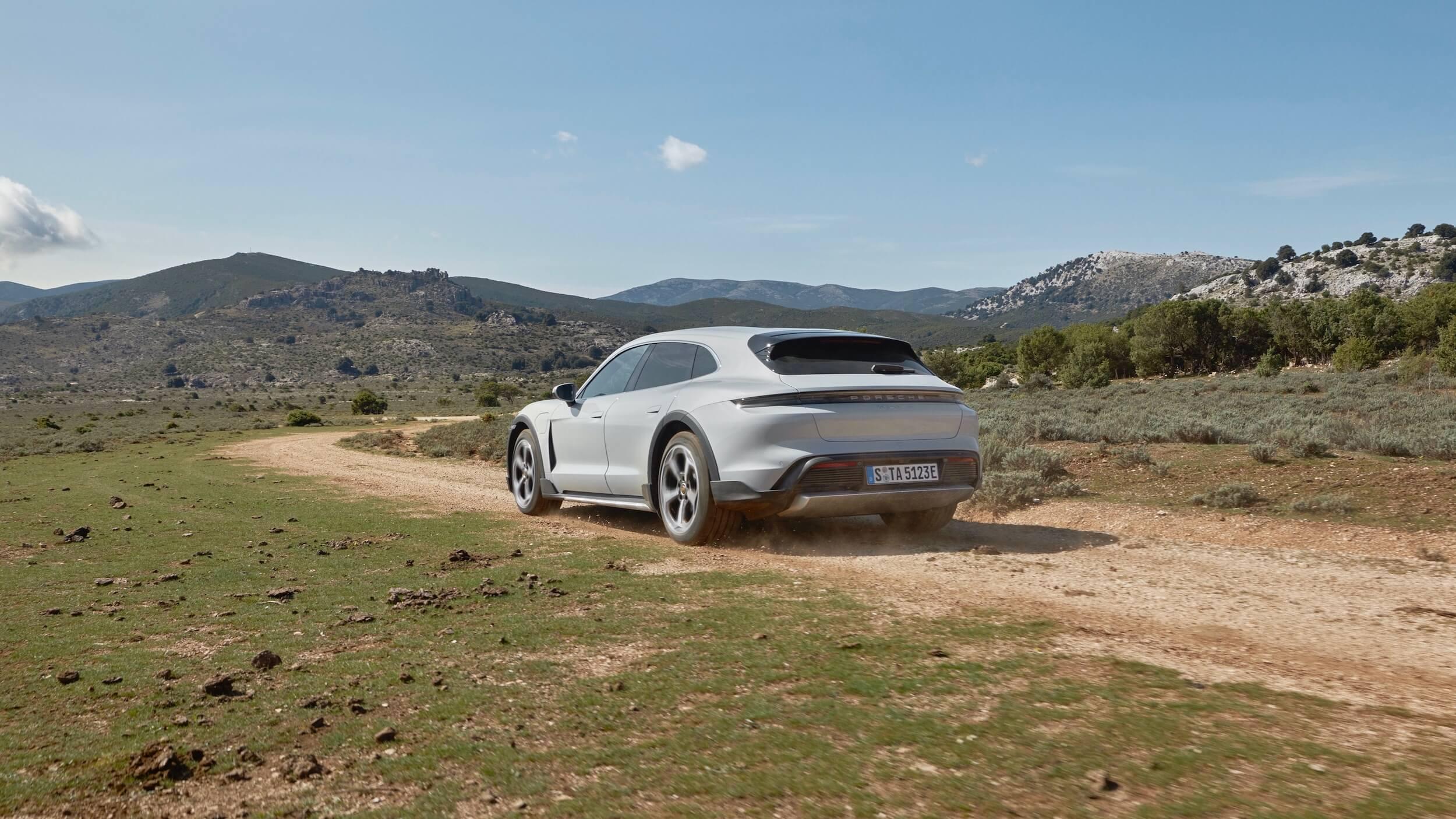 Porsche Taycan 4S Cross Turismo sand road