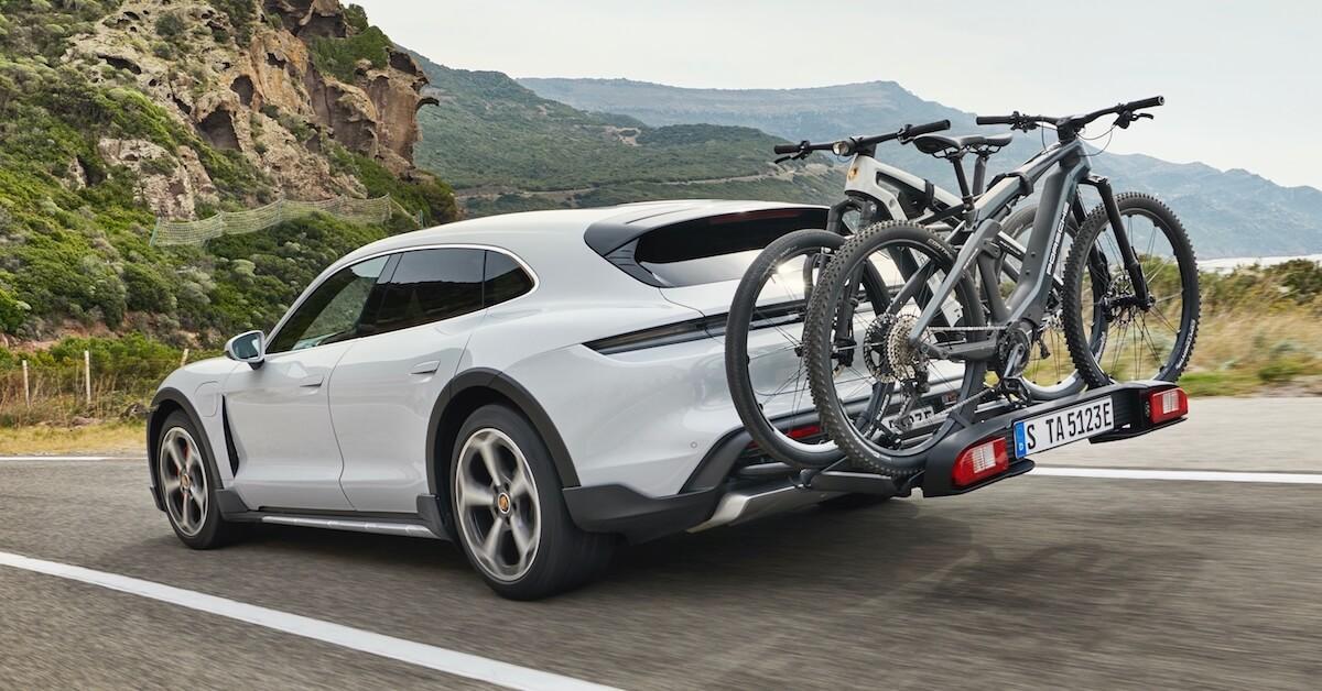 Porsche Taycan Cross Turismo met fietsen
