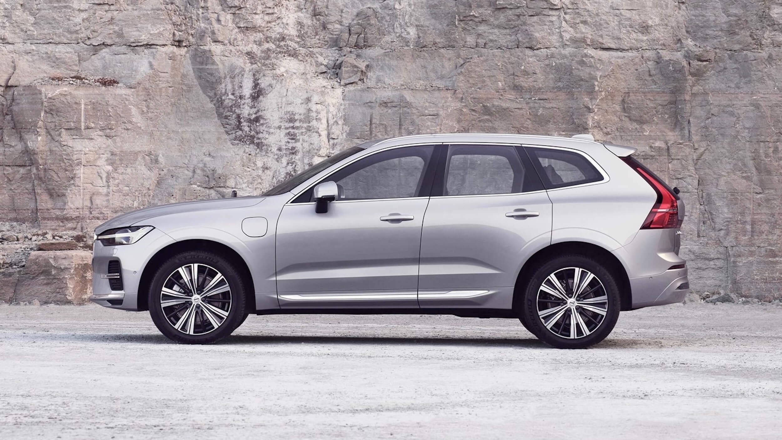 Volvo XC60 plug in hybride facelift profiel