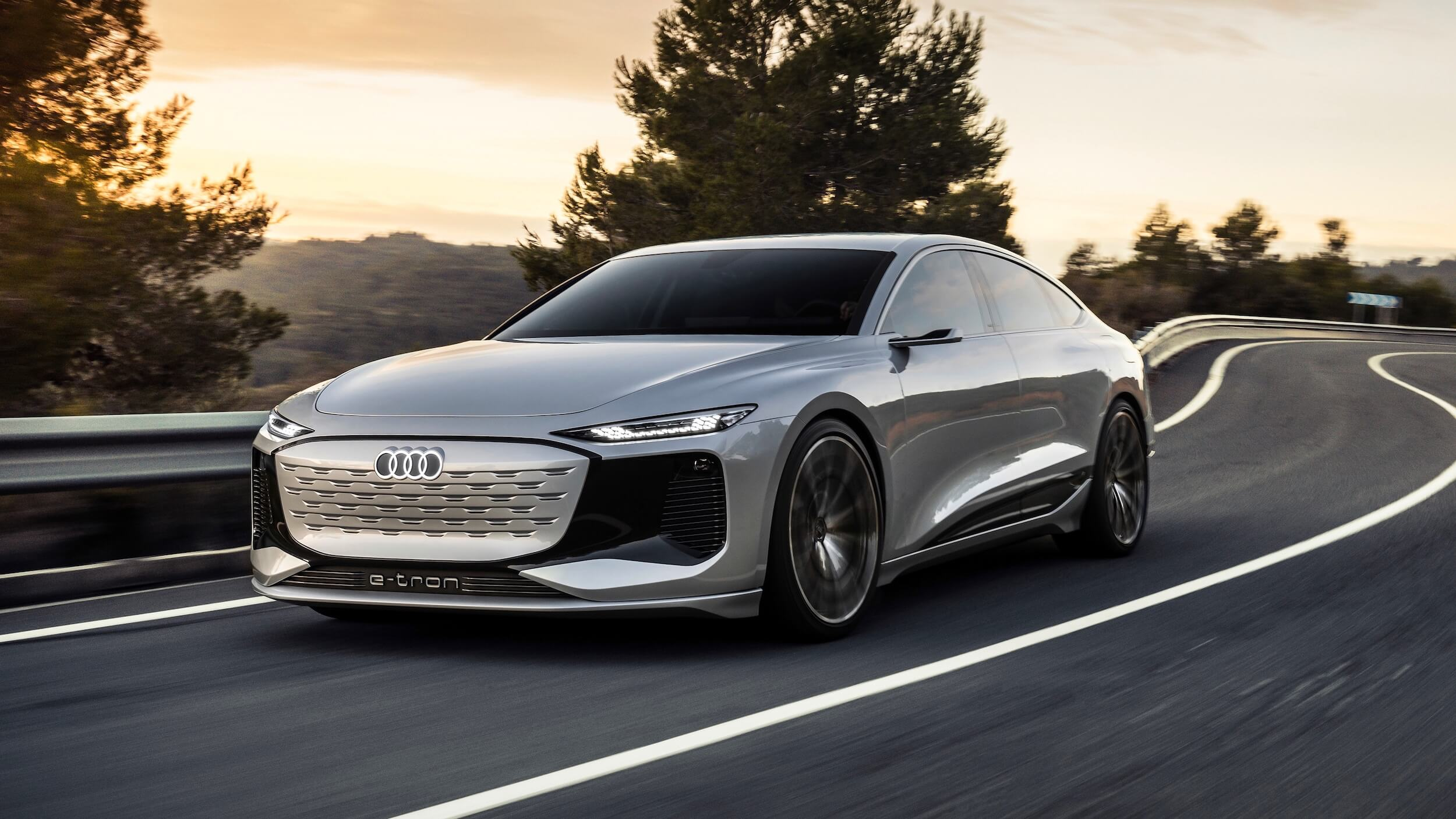 Audi A6 e tron grijs