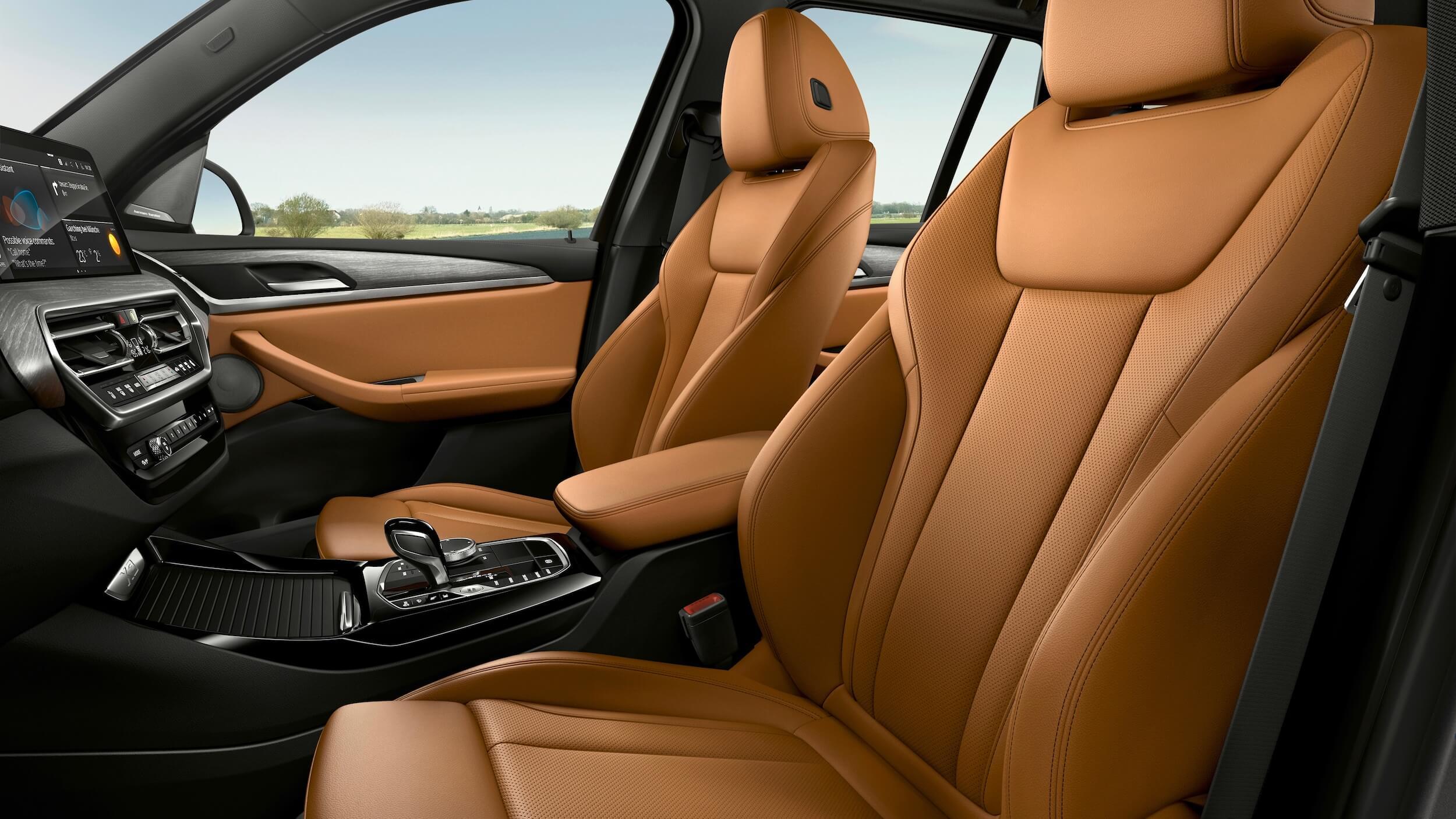 BMW X3 xDrive30e front seats