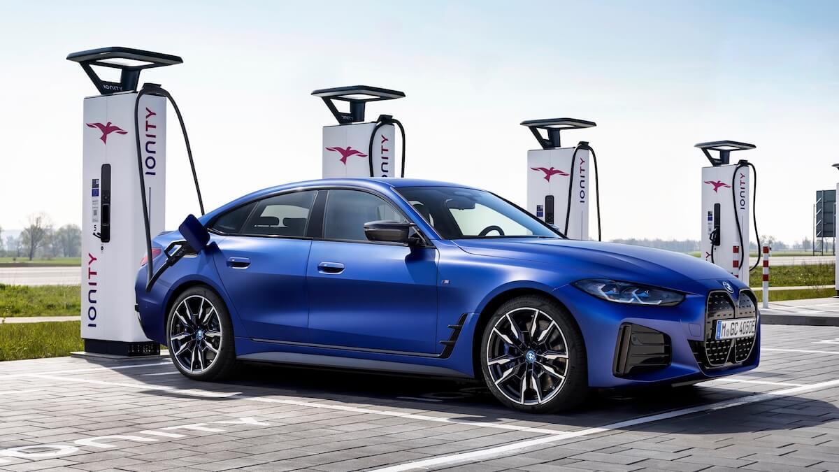 BMW i4 M50 opladen